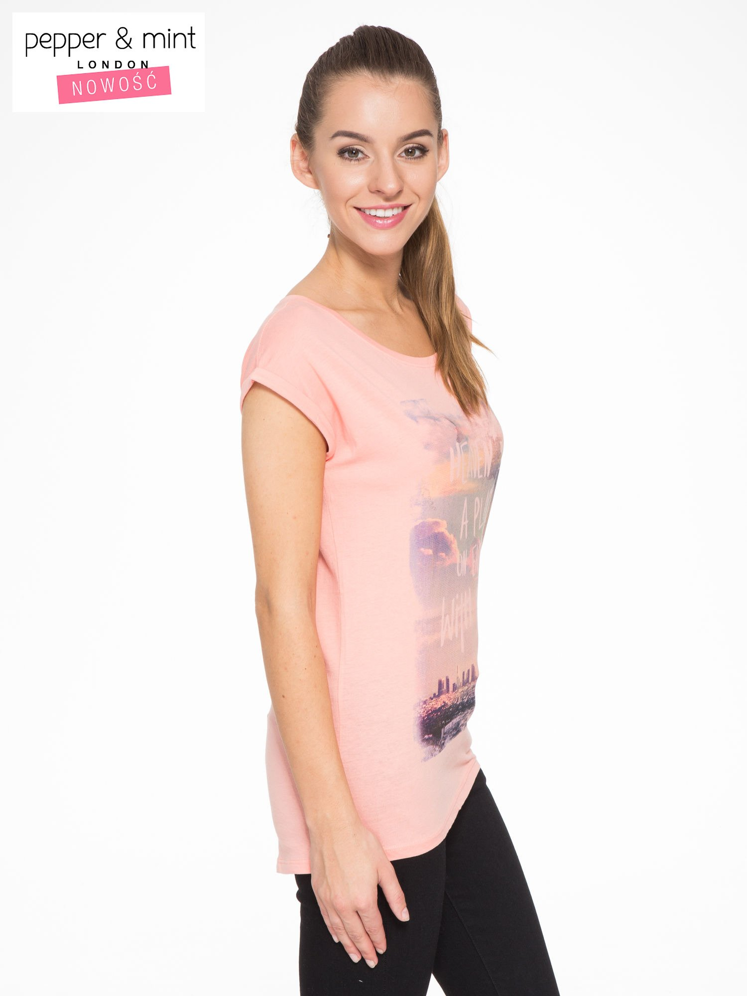 Różowy t-shirt z napisem HEAVEN IS A PLACE ON EARTH WITH YOU                                  zdj.                                  2