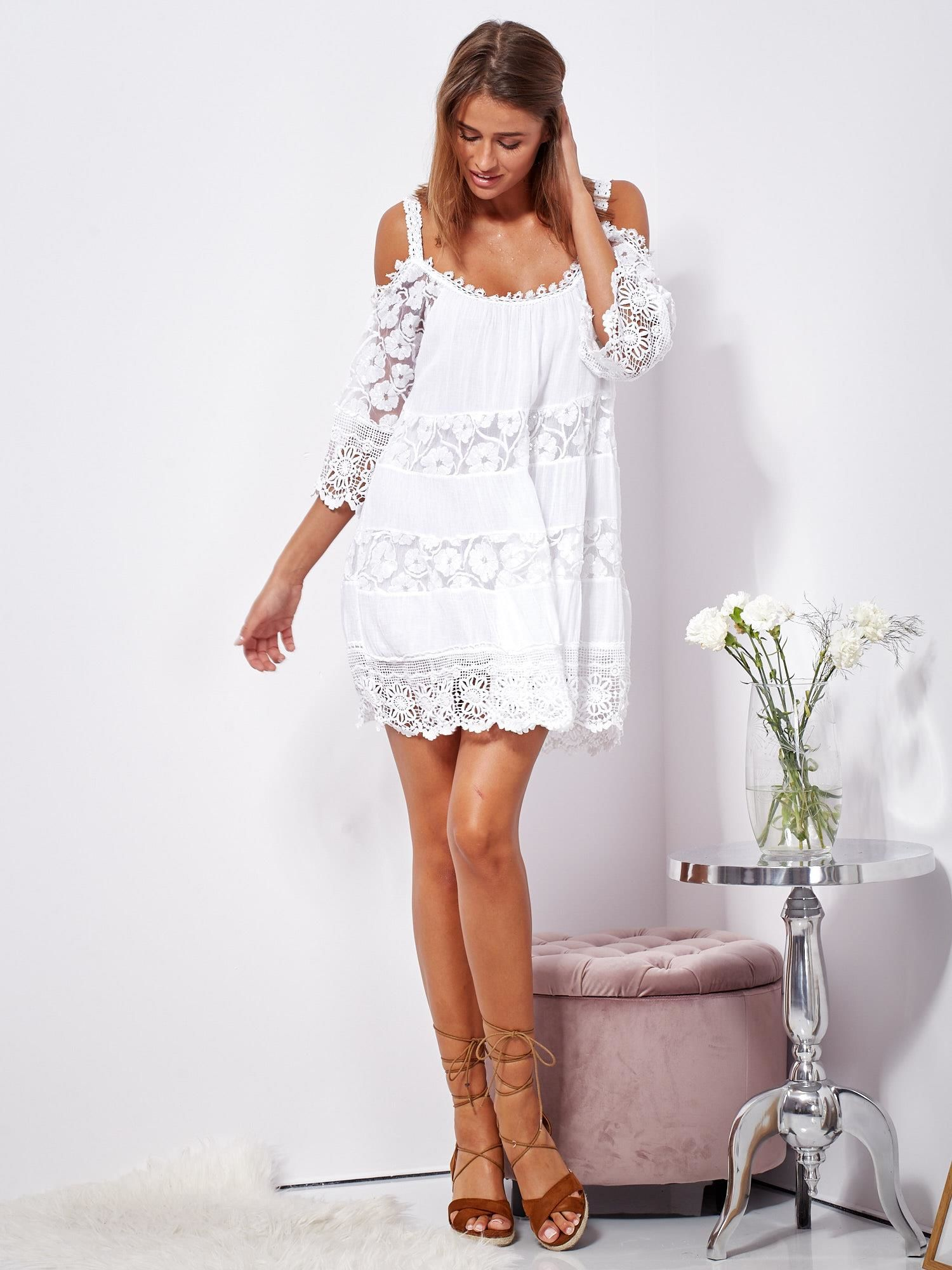 2178d2203f Biała trapezowa sukienka koronkowa mini - Sukienka na co dzień ...