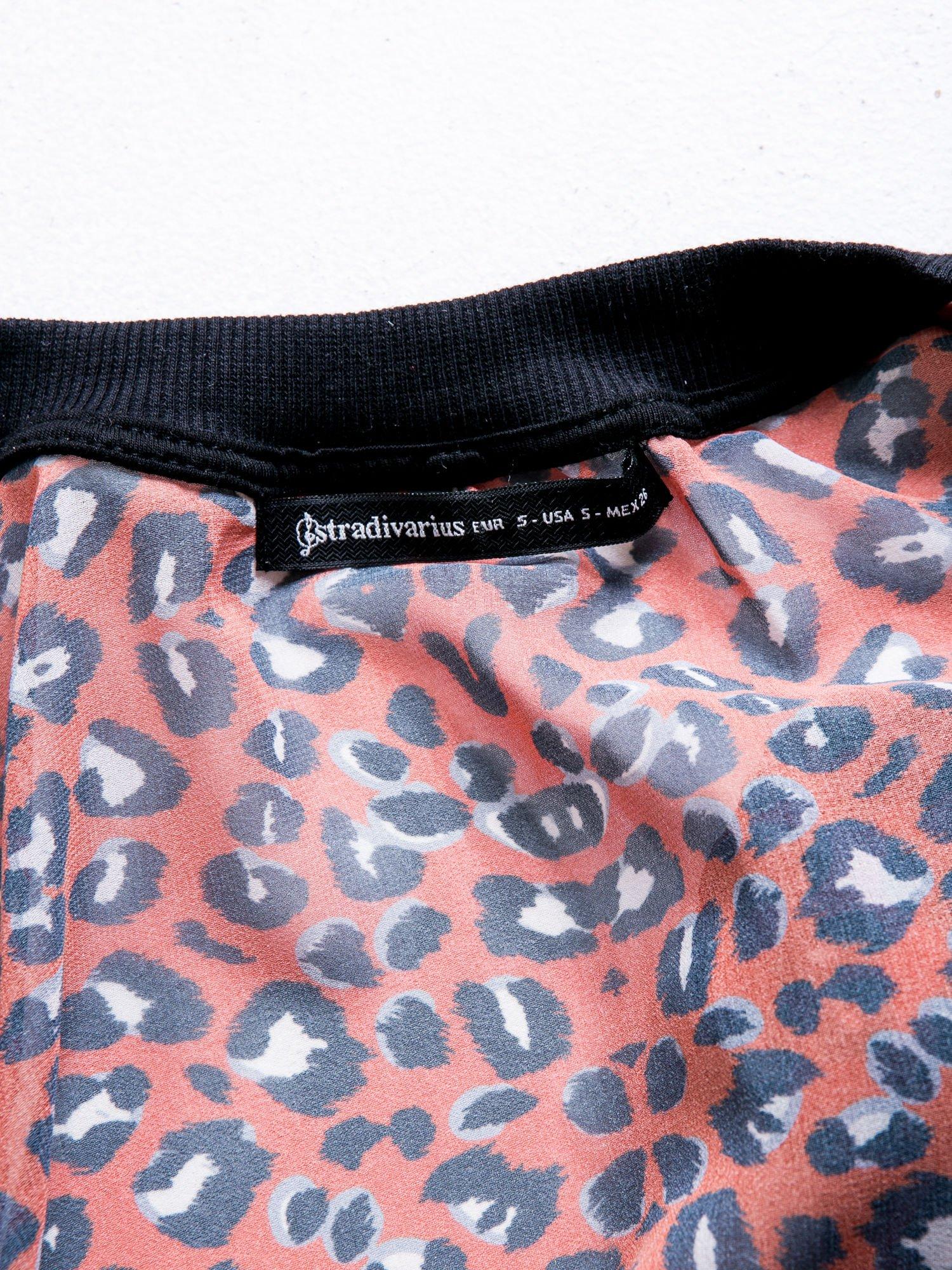 STRADIVARIUS Czerwona panterkowa kurtka mgiełka typu bomber jacket                                   zdj.                                  4
