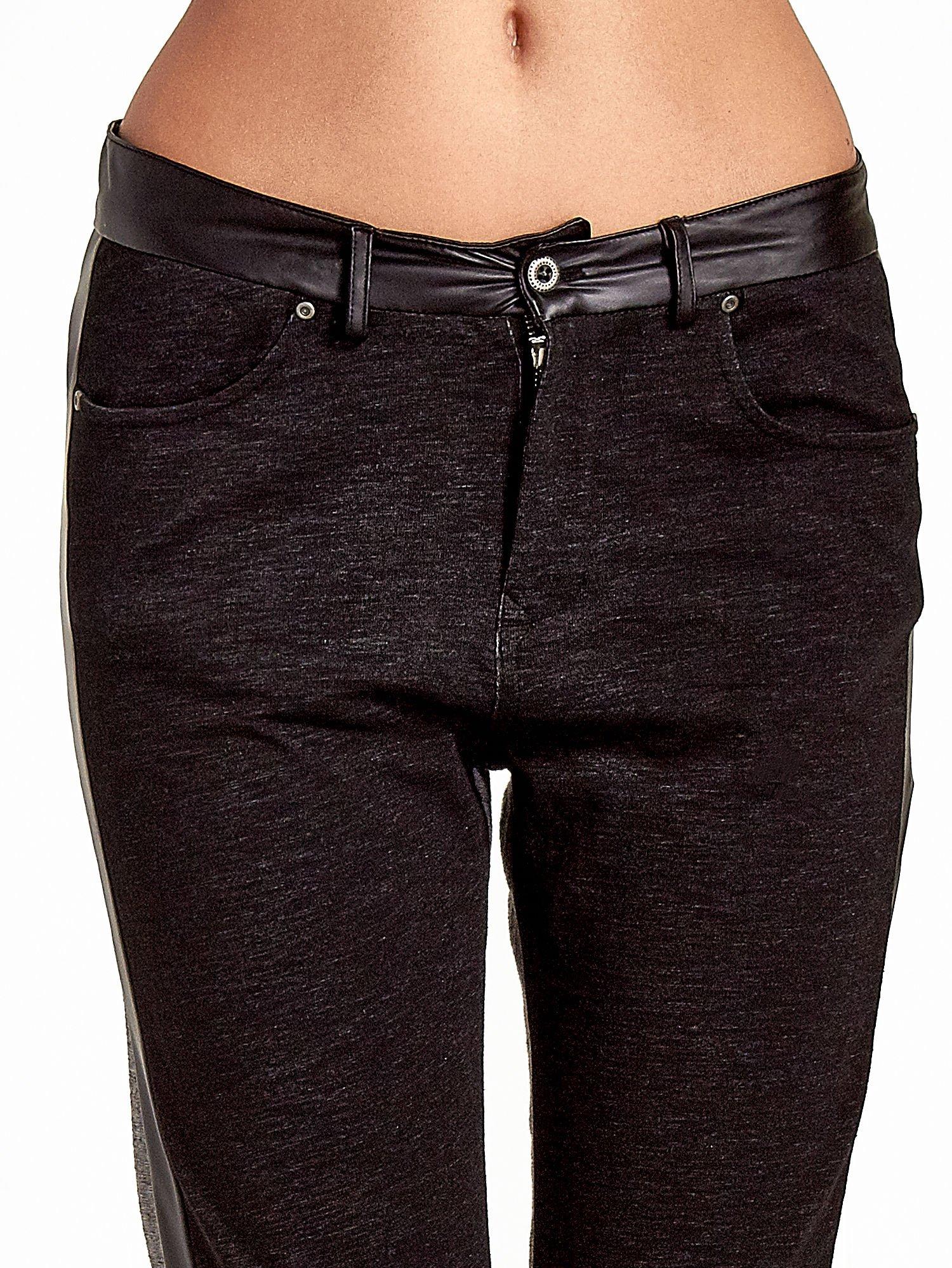 Spodnie two tone ze skórzanymi wstawkami                                  zdj.                                  5