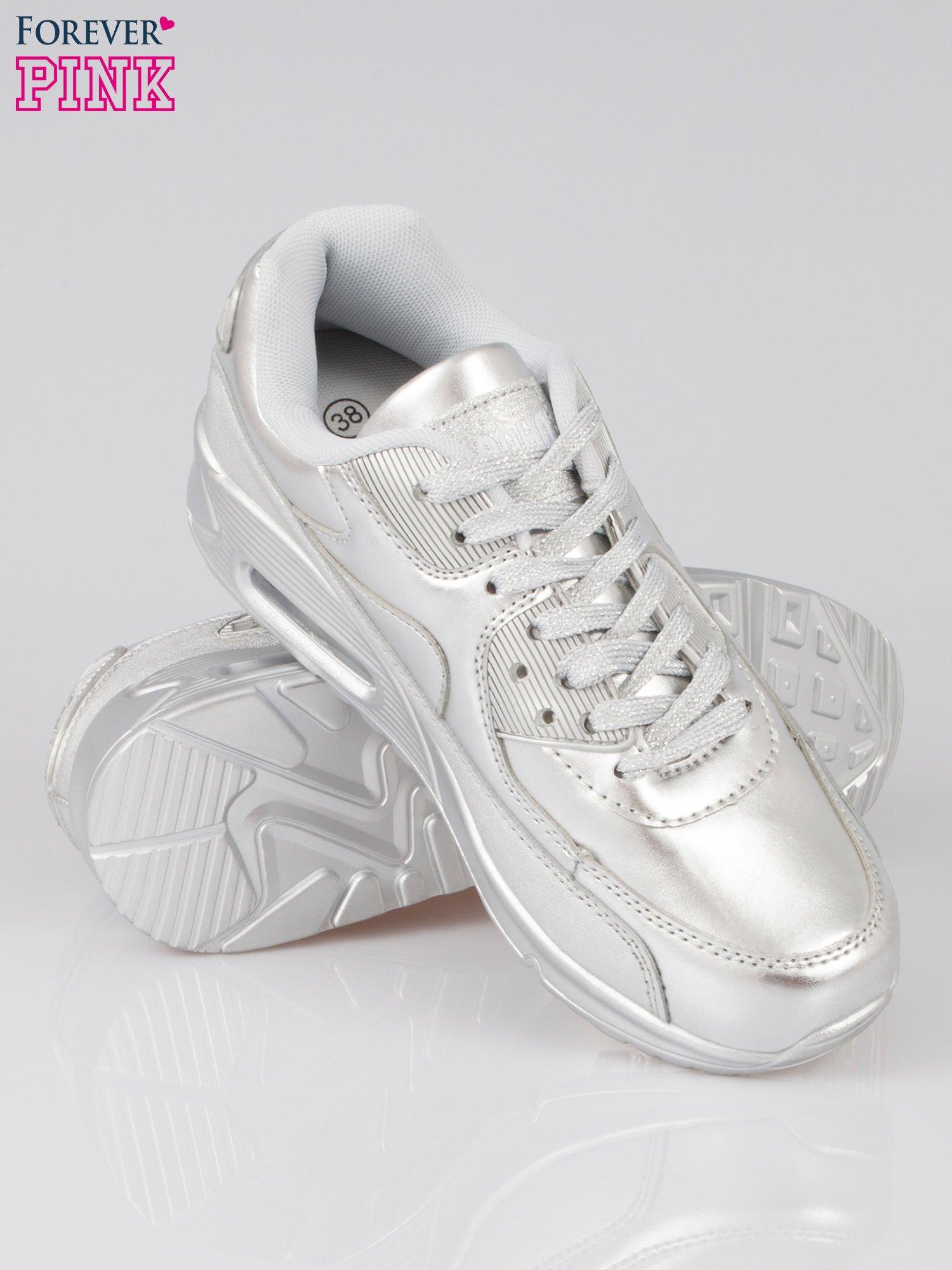 Srebrne buty sportowe faux leather Gigi z poduszką powietrzną w pięcie                                  zdj.                                  4