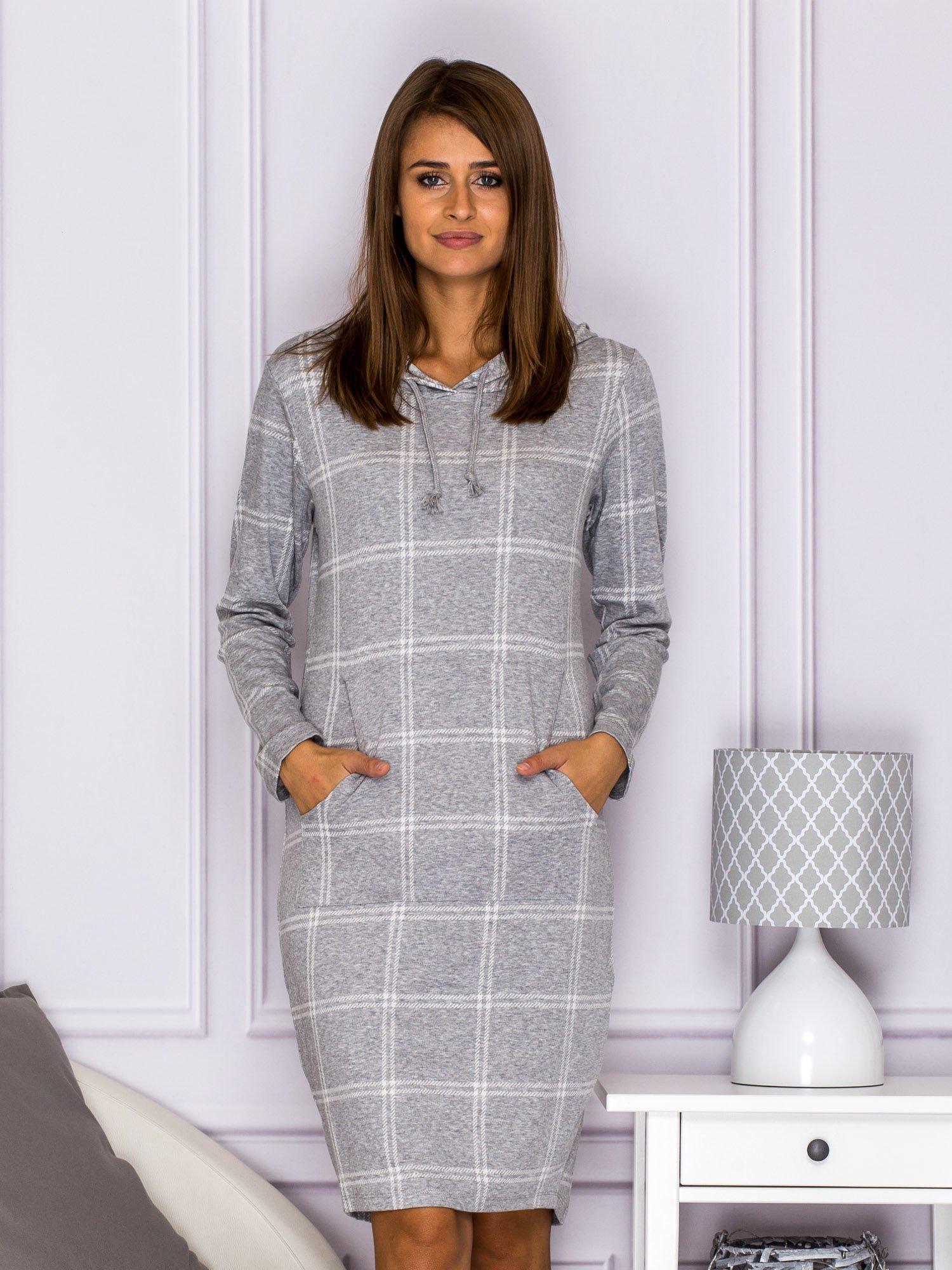 1d686f4eb8 Sukienka dresowa w kratkę z kapturem i kieszeniami szara - Sukienka ...