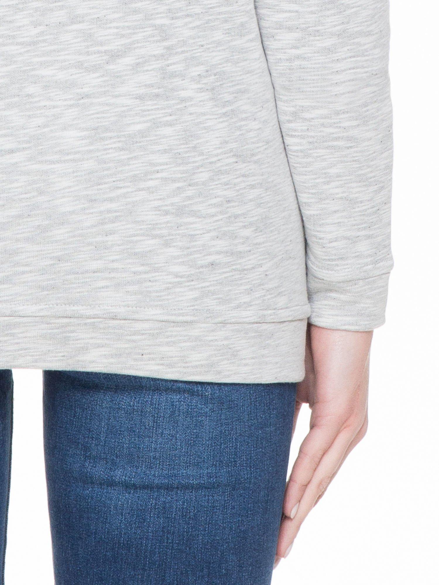 Szara melanżowa bluza z nadrukiem litery A                                  zdj.                                  6