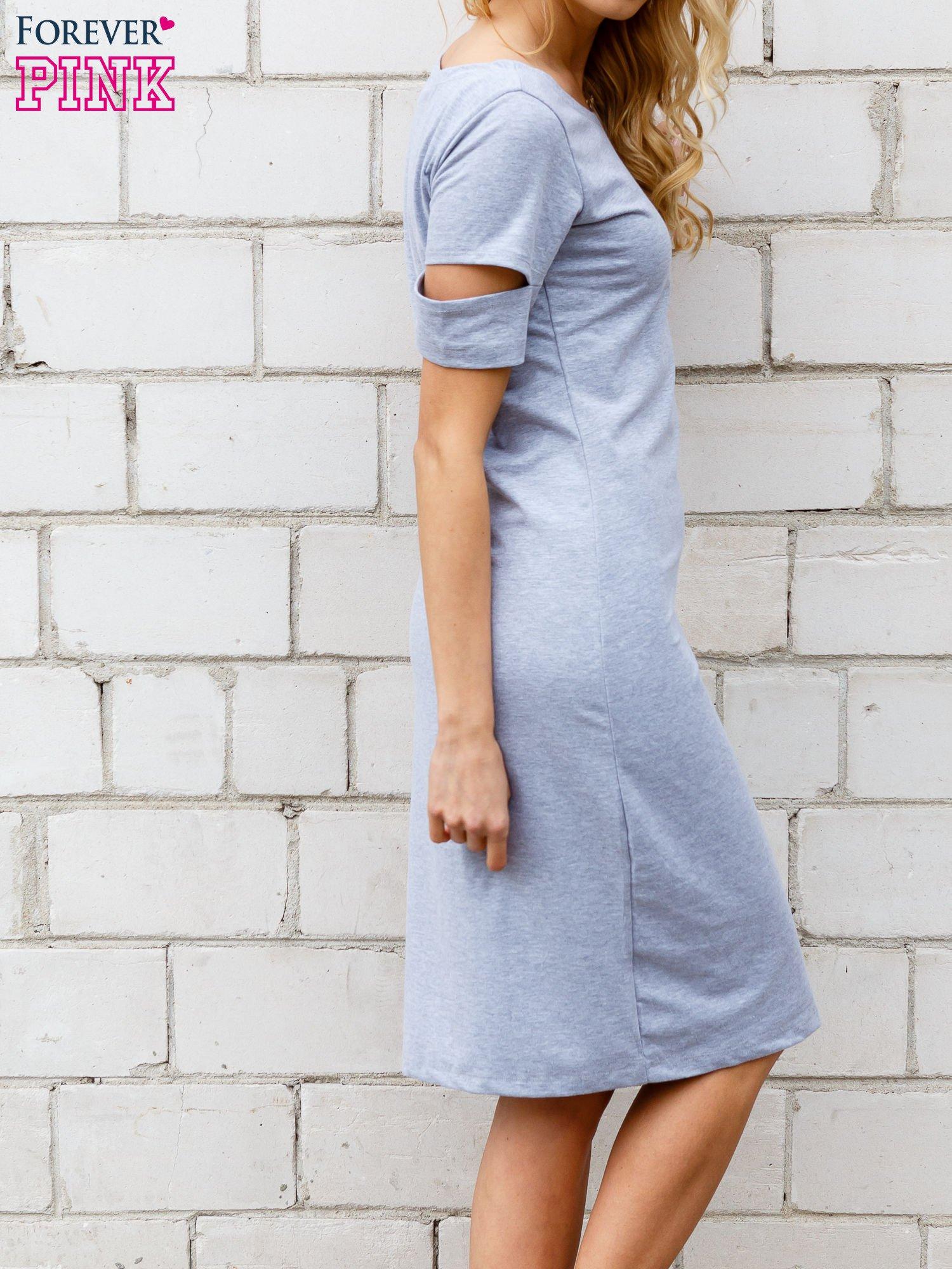 Szara melanżowa sukienka z rozcięciami na rękawach                                  zdj.                                  3