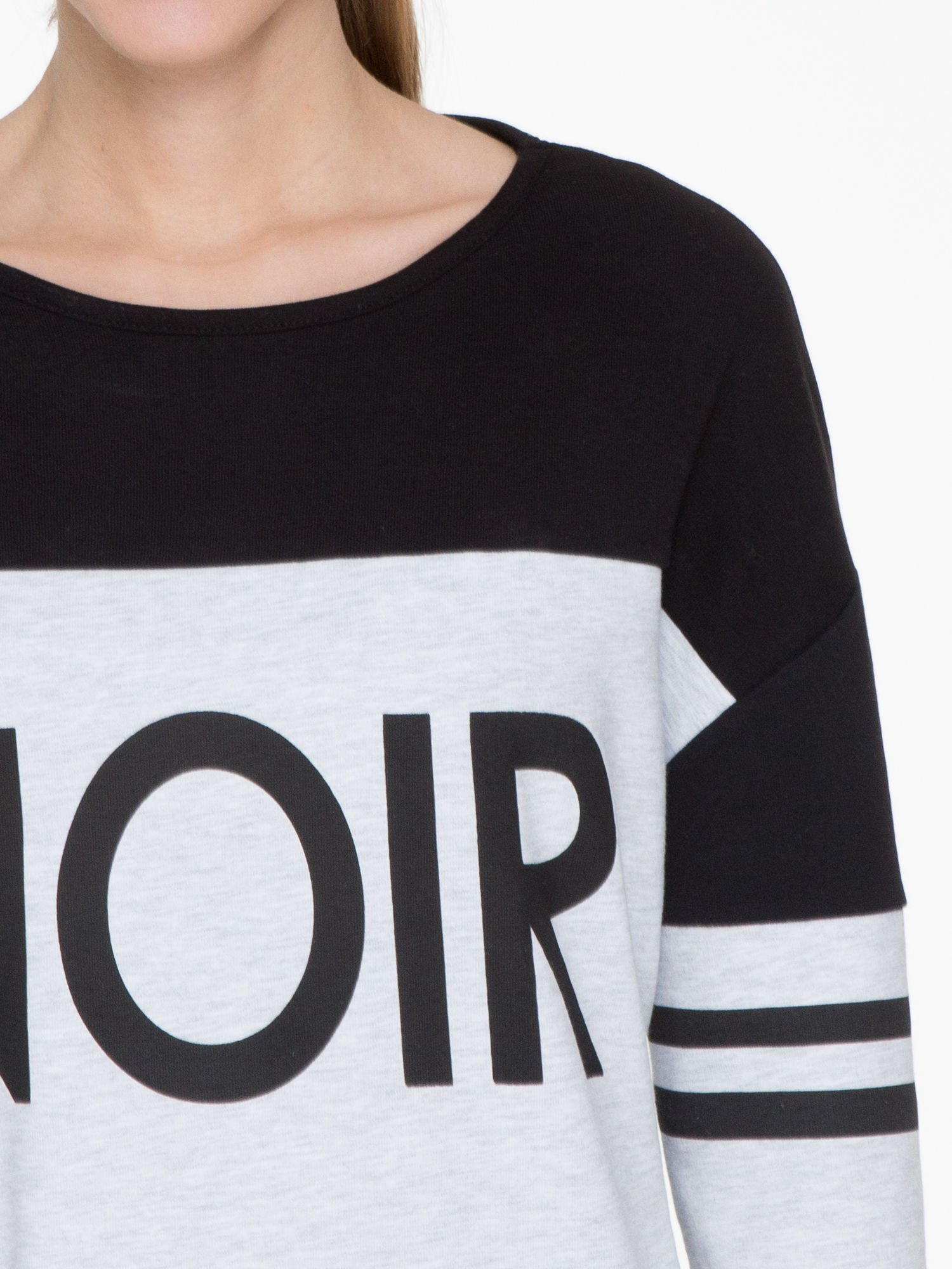 Szara sukienka z napisem NOIR w stylu sportowym                                  zdj.                                  5