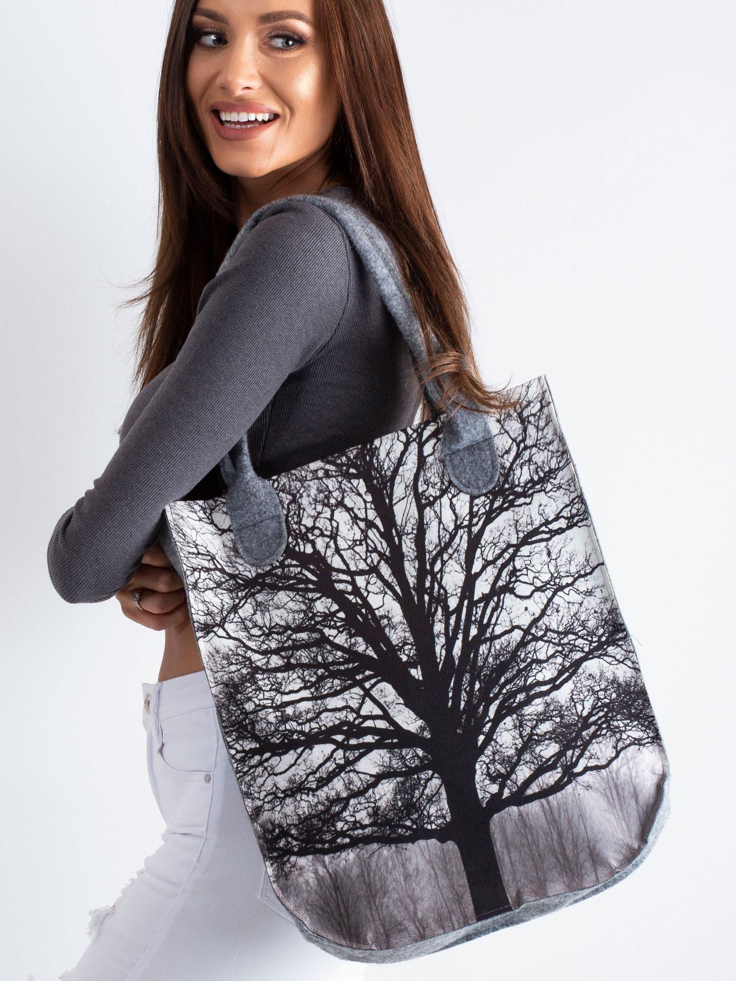 1f6eaeaca09ae Szara torba filcowa z nadrukiem drzewa - Akcesoria torba - sklep ...