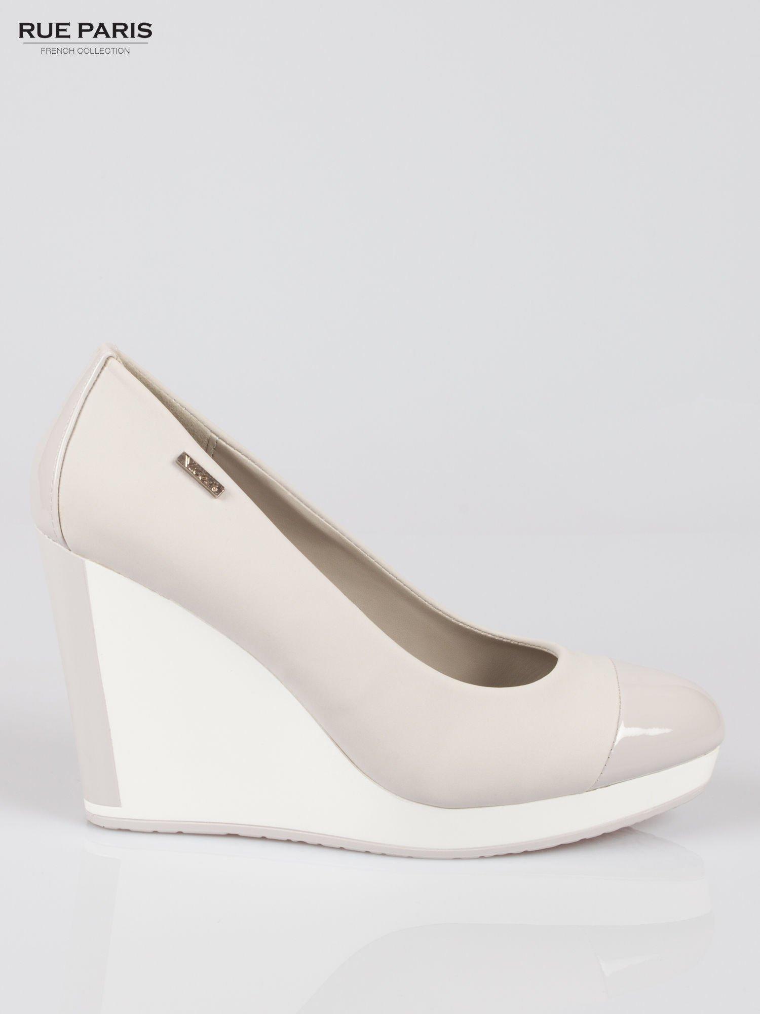 Szare buty damskie na kontrastowym koturnie                                  zdj.                                  1