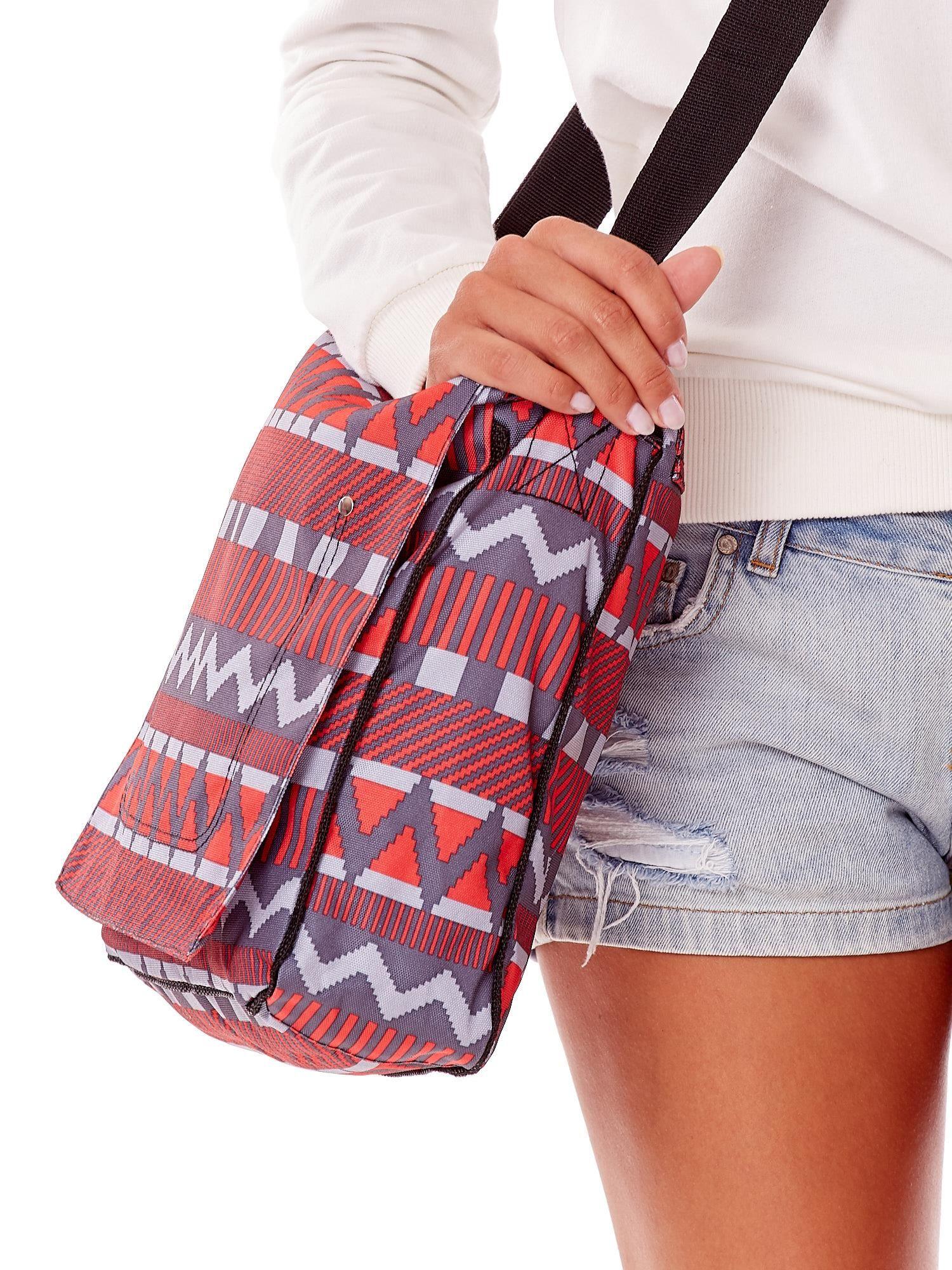 eaf1347571020 Szaro-czerwona torba na ramię w geometryczne wzory - Akcesoria torba -  sklep eButik.pl