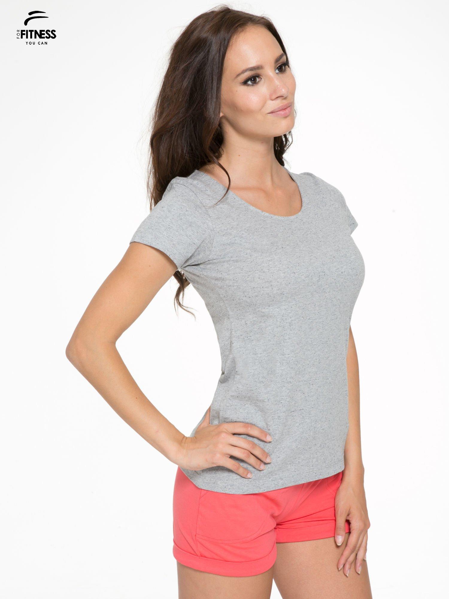 Szary bawełniany t-shirt damski typu basic                                  zdj.                                  3