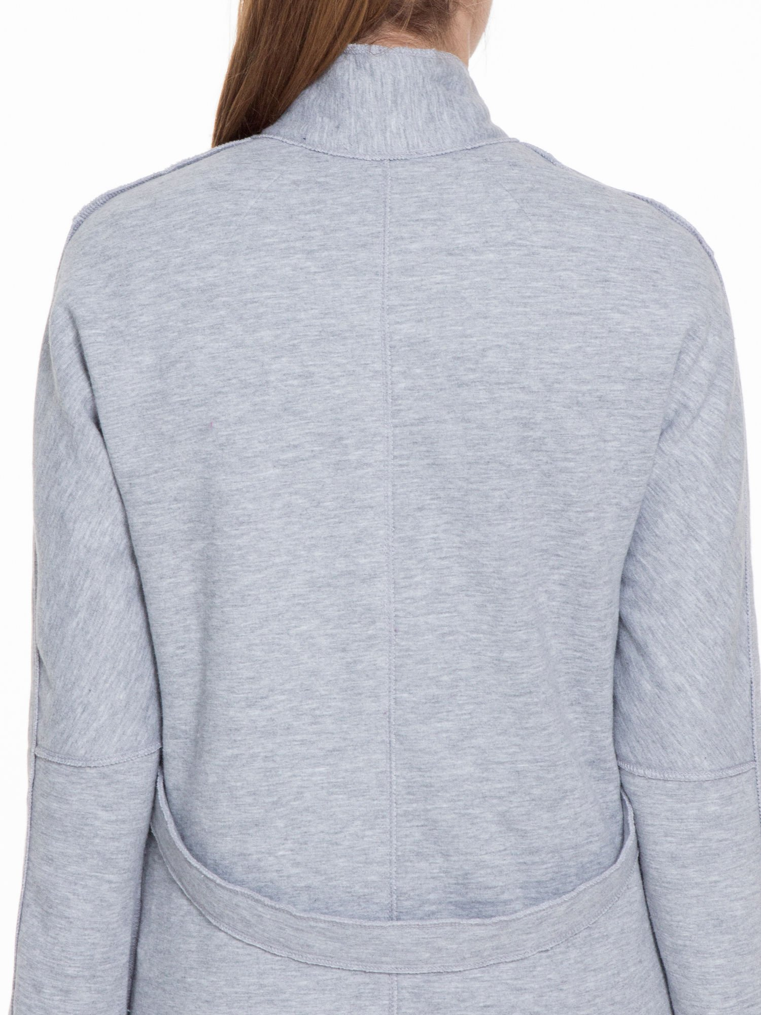 Szary dresowy płaszcz o kroju oversize                                  zdj.                                  8