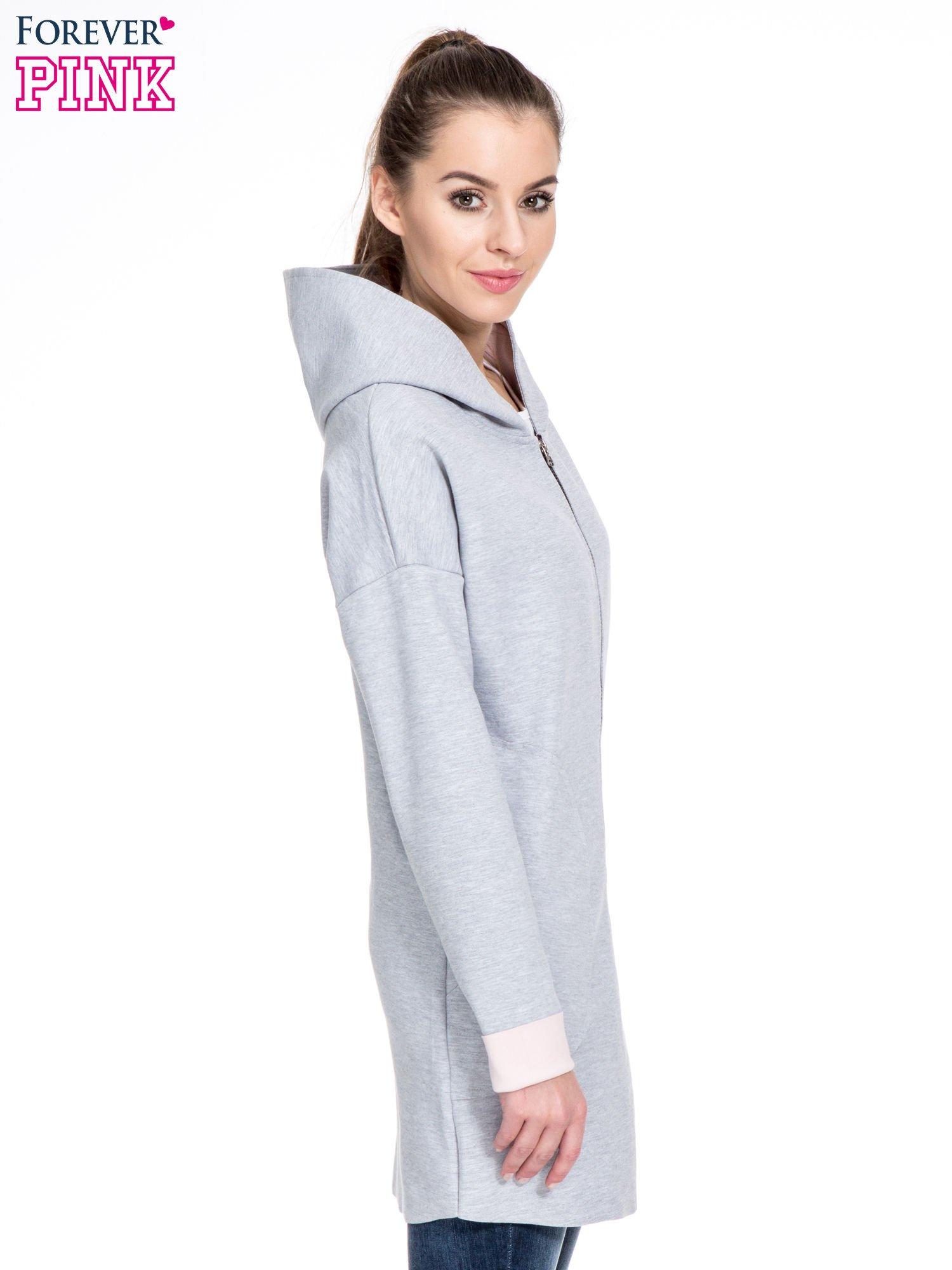 Szary dresowy płaszcz oversize z różową podszewką                                  zdj.                                  3
