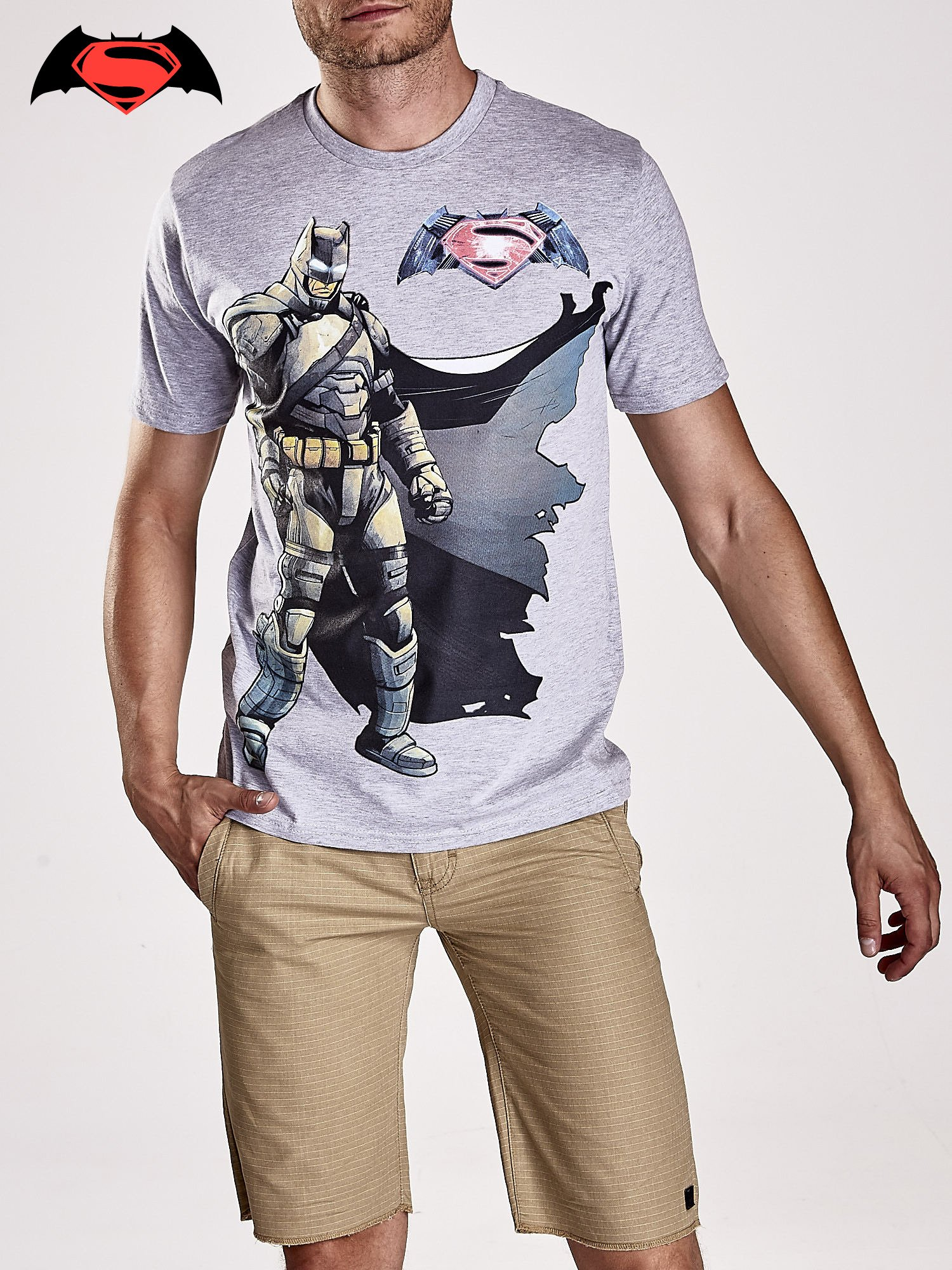 Szary t-shirt męski z nadrukiem BATMAN V SUPERMAN                                  zdj.                                  5