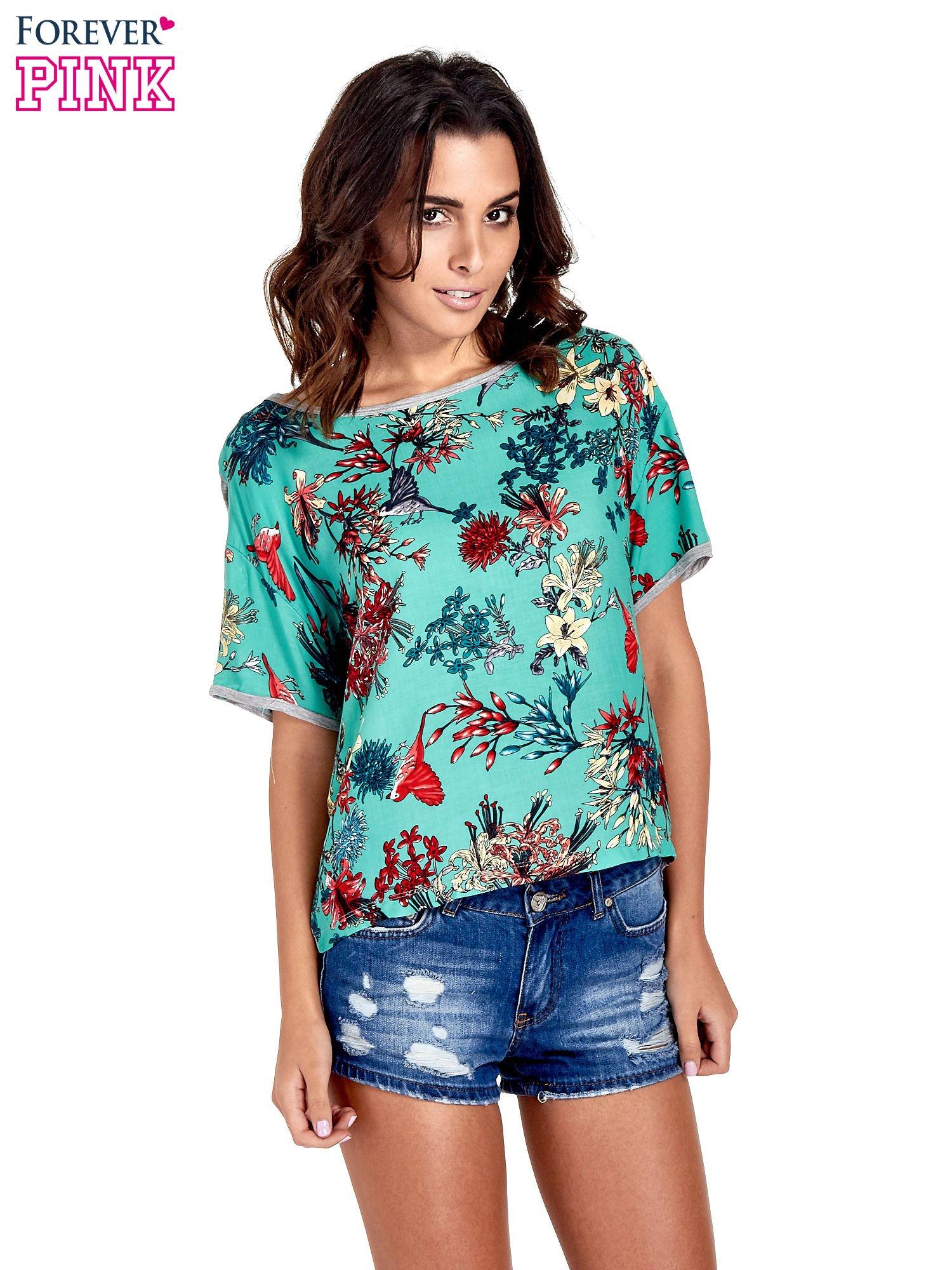 Szary t-shirt we wzór roślinny                                  zdj.                                  1