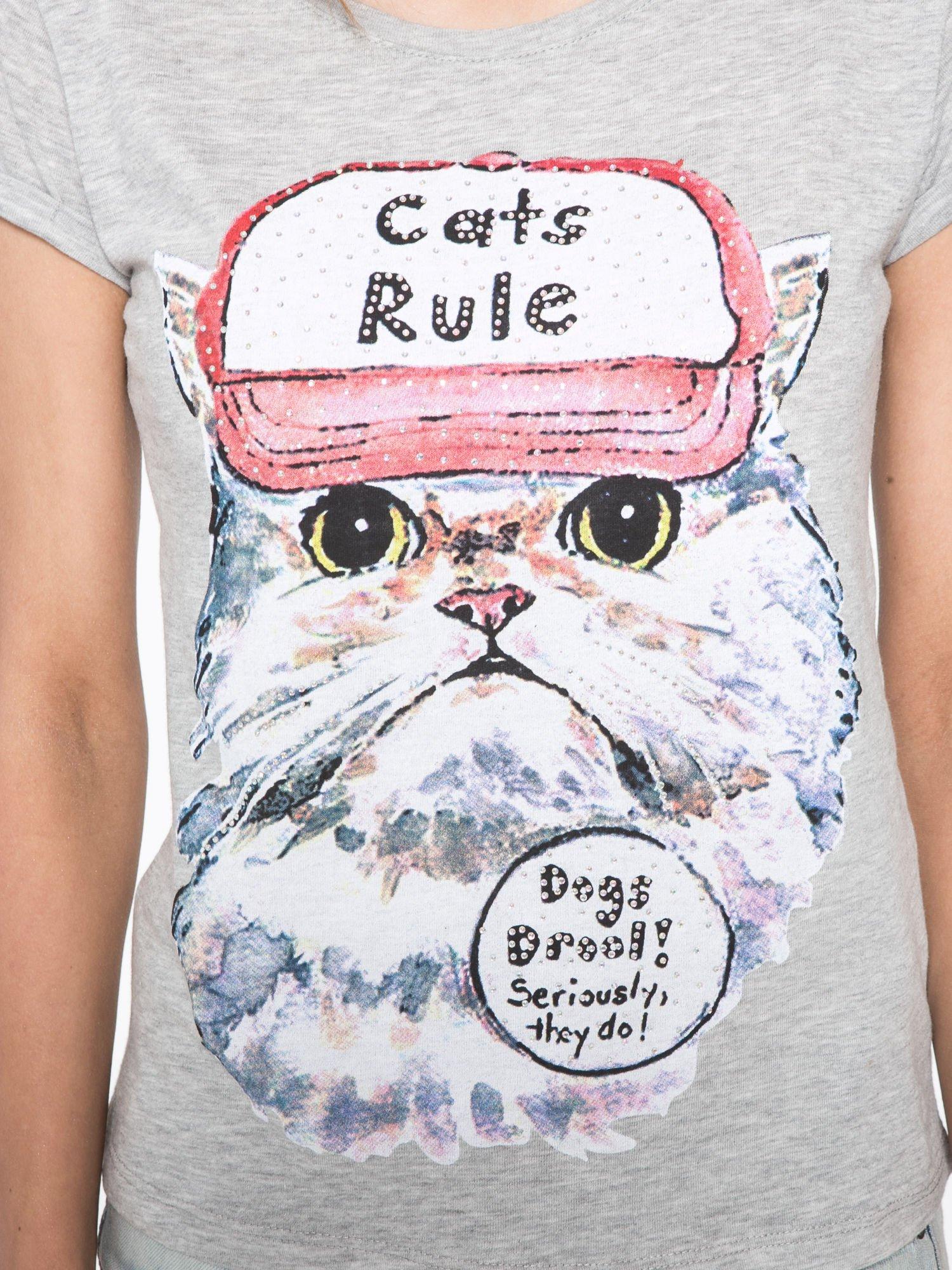 Szary t-shirt z nadrukiem kota i napisem CATS RULE                                  zdj.                                  5