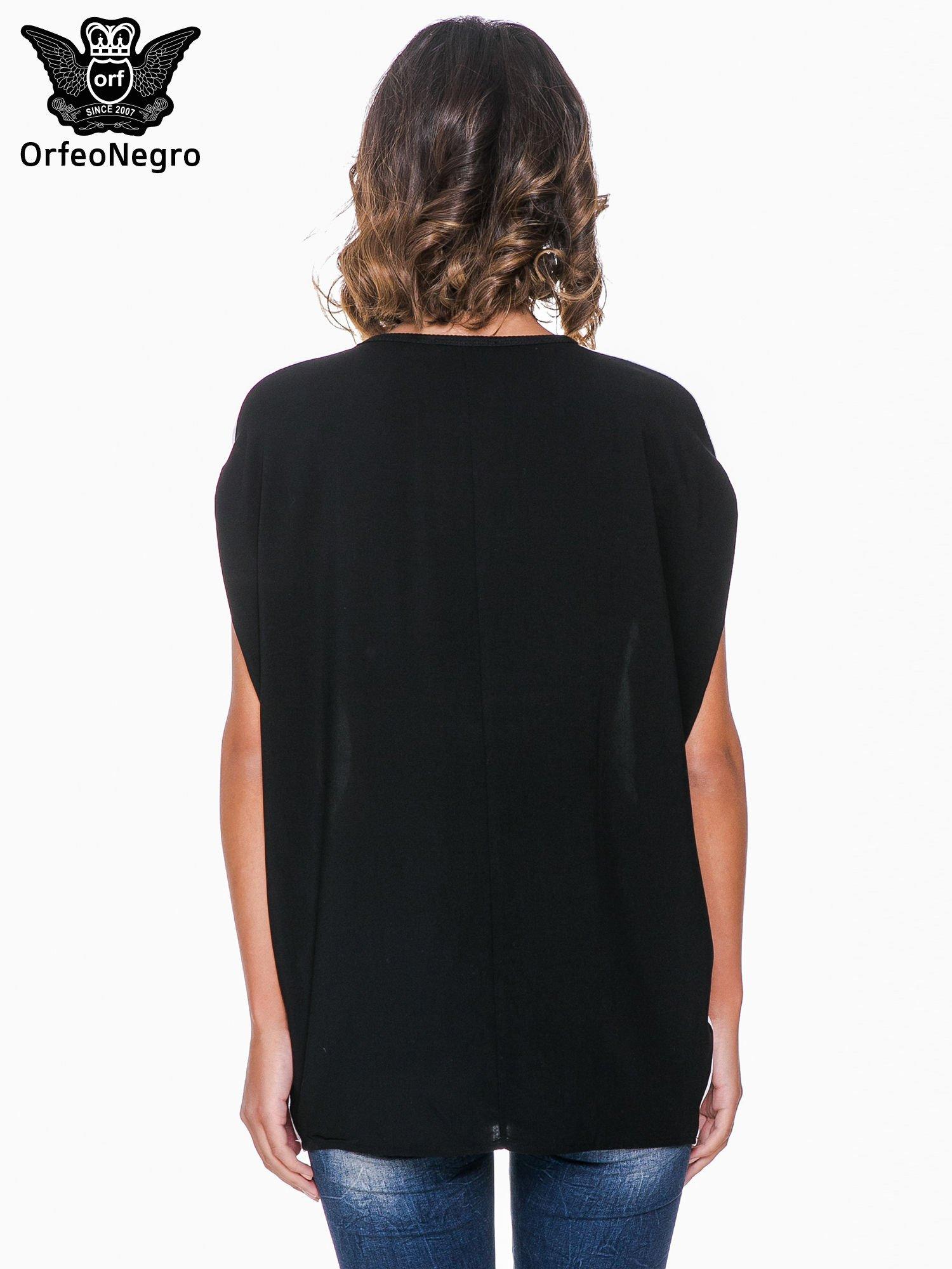 T-shirt o kimonowym kroju z nadrukiem w stylu fashion                                  zdj.                                  4