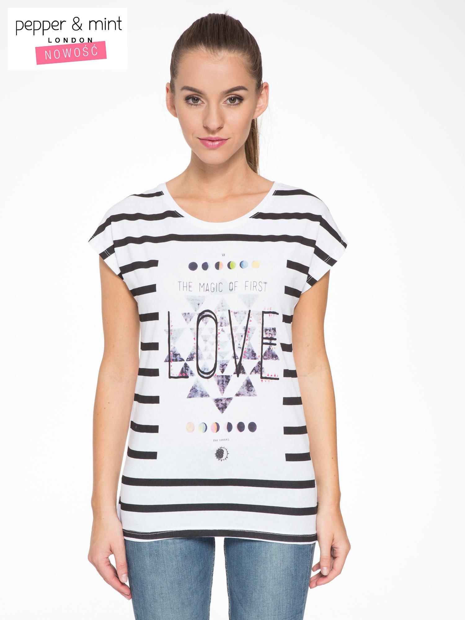 T-shirt w biało-czarne paski z napisem LOVE                                  zdj.                                  1