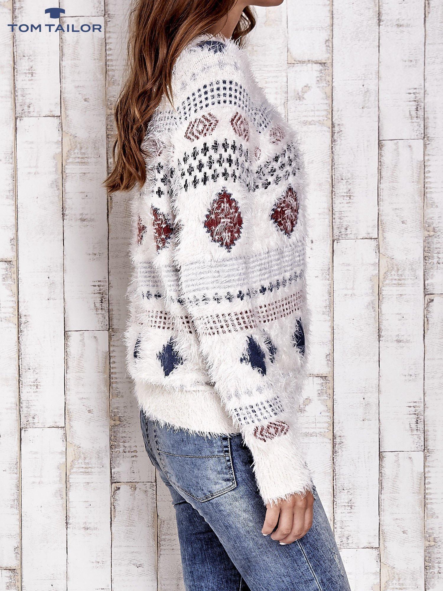 TOM TAILOR Ecru puszysty sweter w azteckie wzory                                  zdj.                                  4