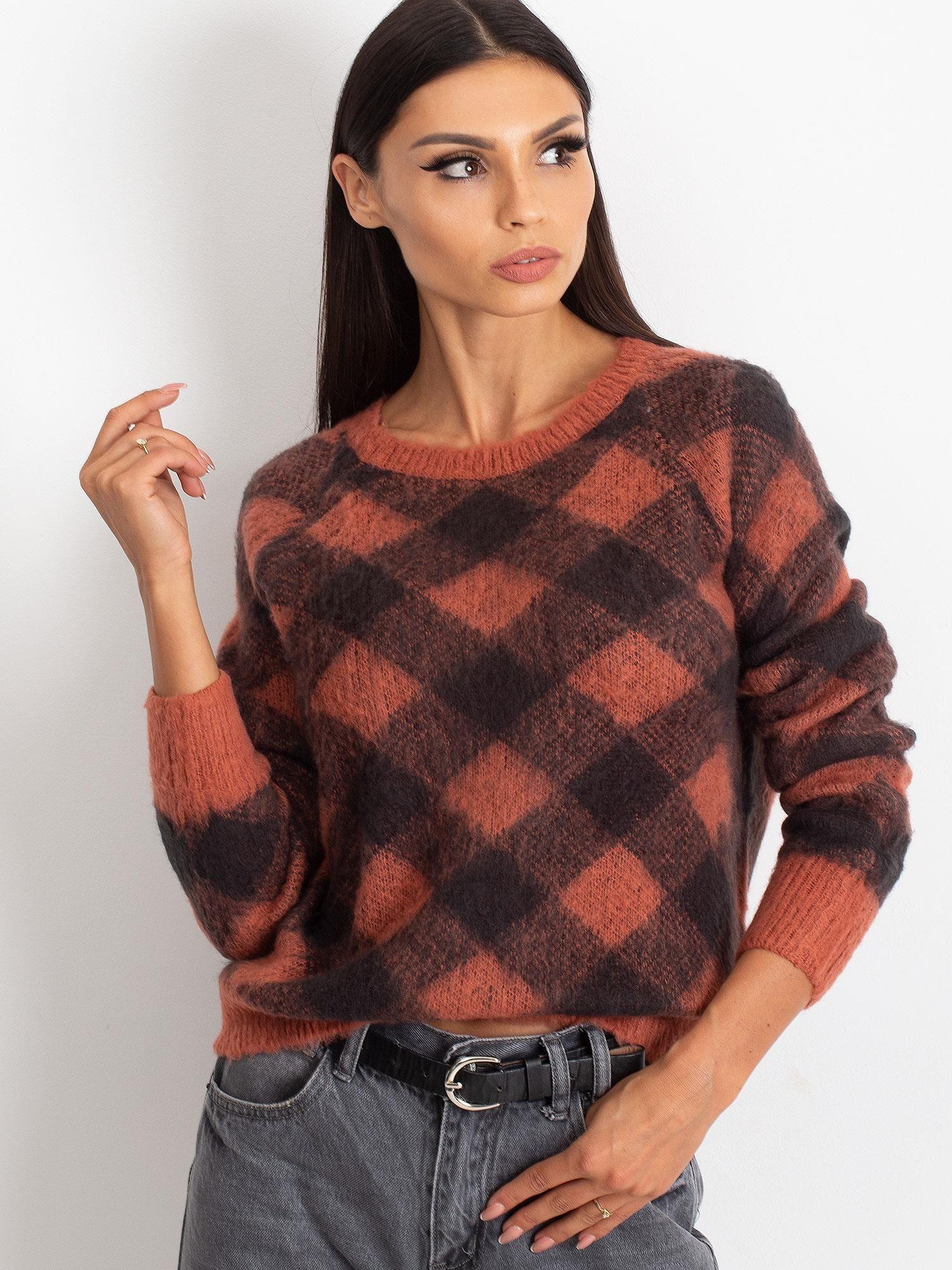 TOM TAILOR Koralowy puszysty sweter w kratkę                                  zdj.                                  2