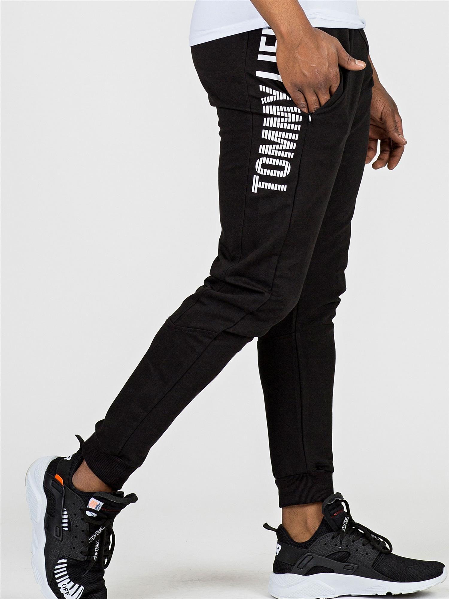 8ae5b81f9f6c99 TOMMY LIFE Czarne dresy męskie z napisem - Mężczyźni Spodnie dresowe ...