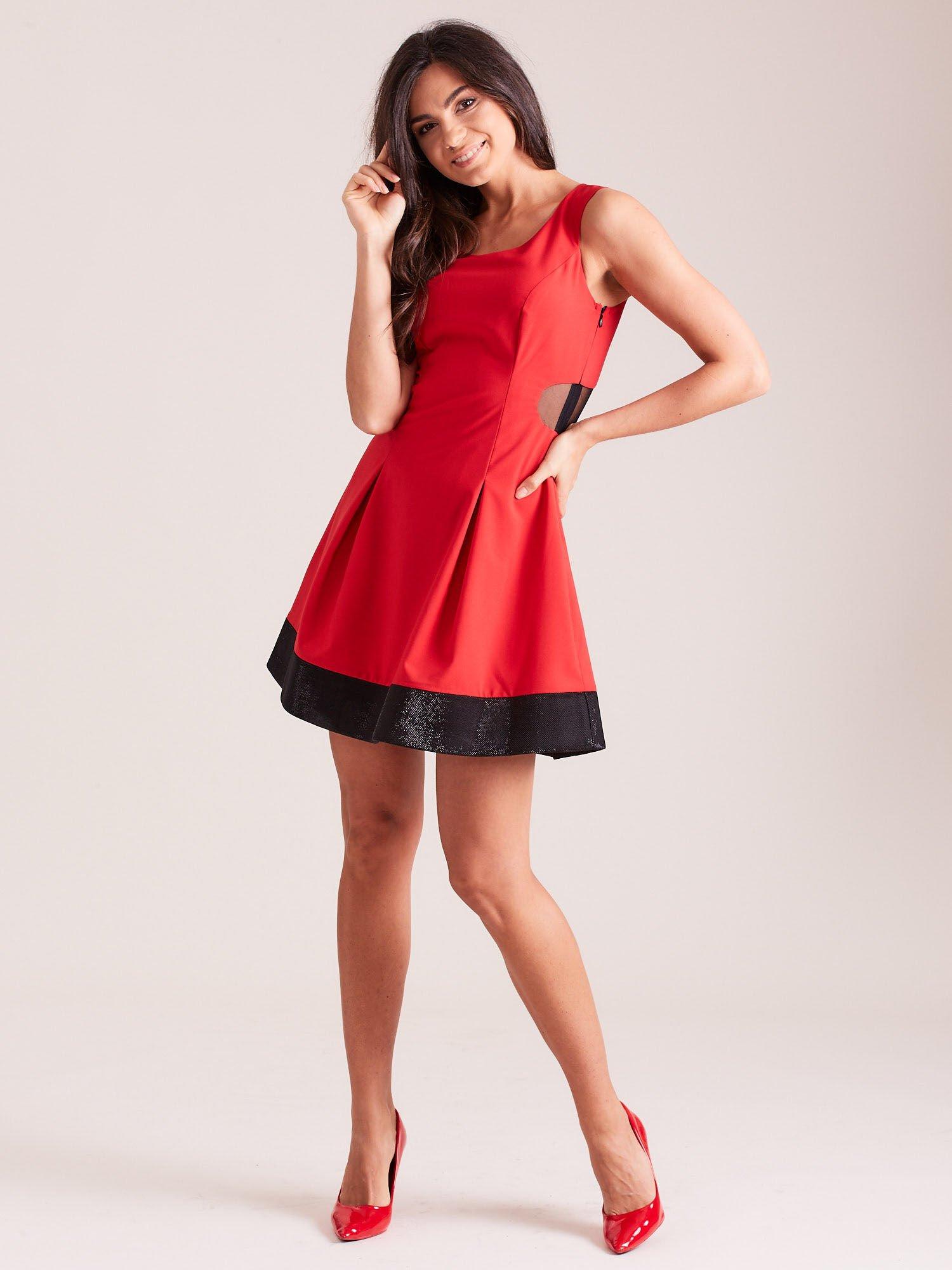 7f8887b107 Trapezowa sukienka koktajlowa z zakładkami czarna - Sukienka plus size -  sklep eButik.pl