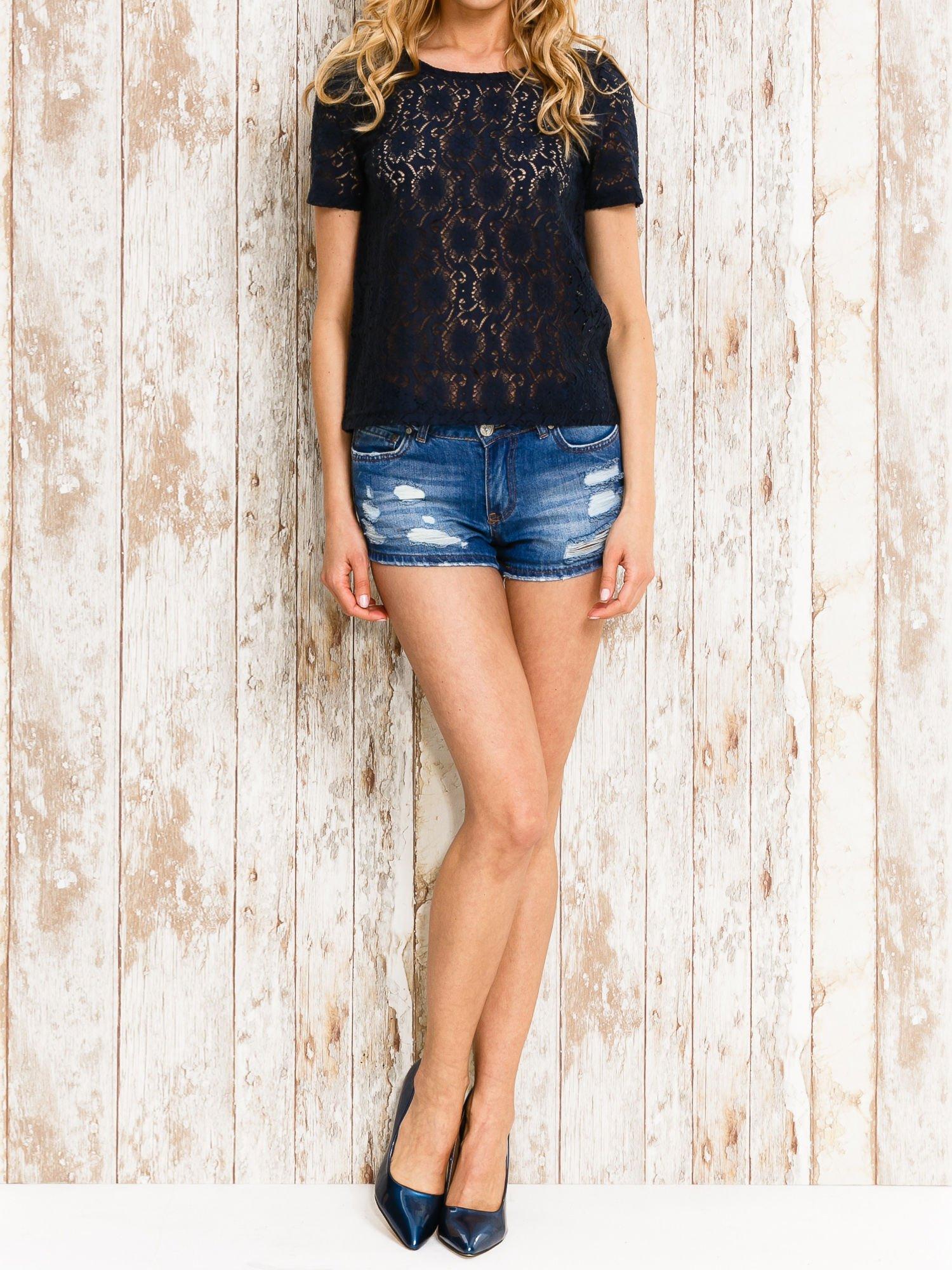 VERO MODA Granatowy ażurowy t-shirt                                  zdj.                                  2