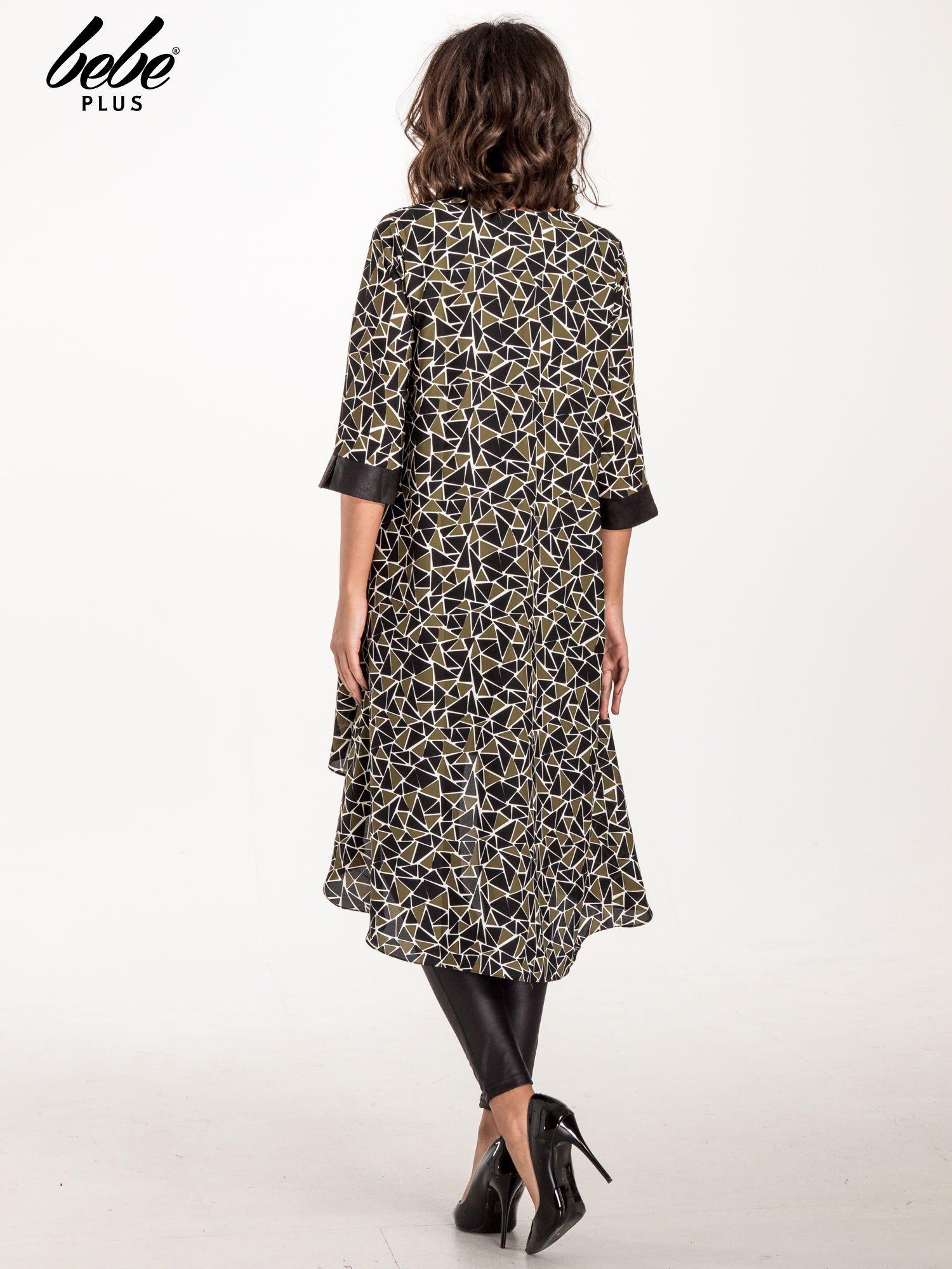 Wzorzysta sukienka mgiełka ze skórzanymi wstawkami                                  zdj.                                  2