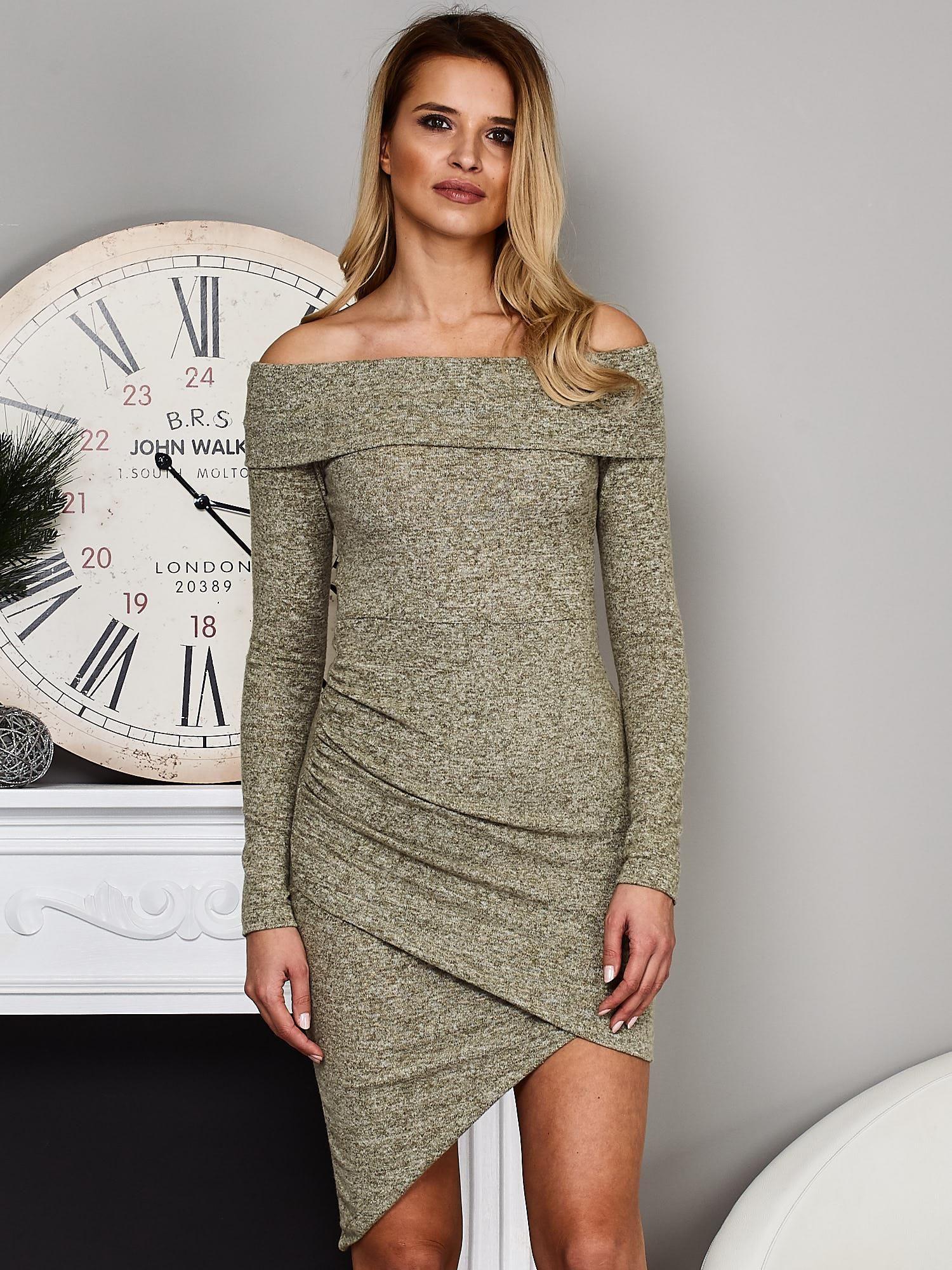 ccfa201517 Zielona asymetryczna sukienka z szerokim dekoltem - Sukienka dzianinowa -  sklep eButik.pl