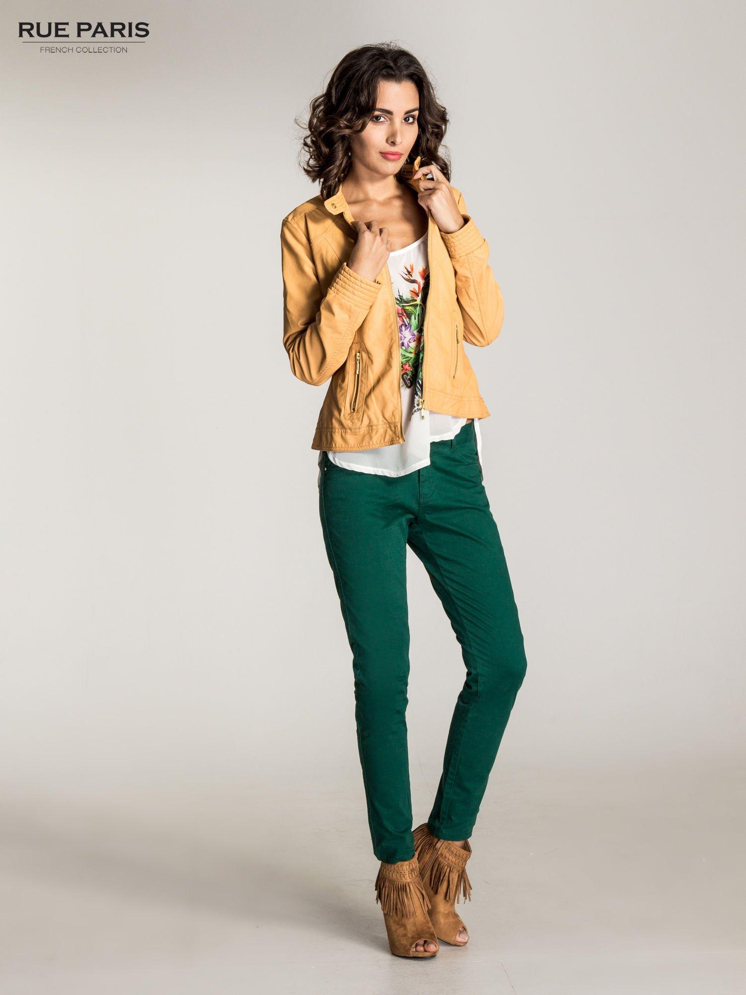 Zielone spodnie materiałowe w stylu chinos                                  zdj.                                  4