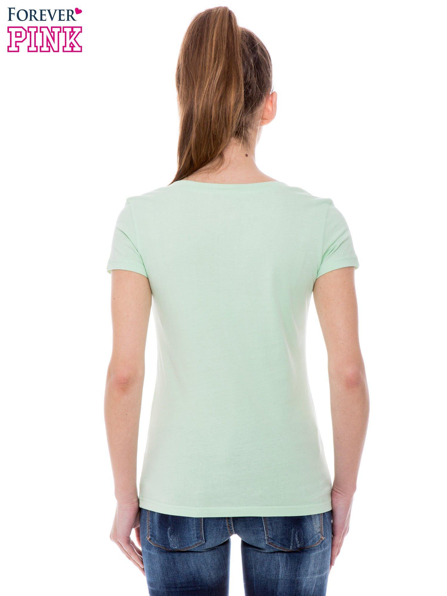 Zielony basicowy t shirt z dekoltem w serek T shirt