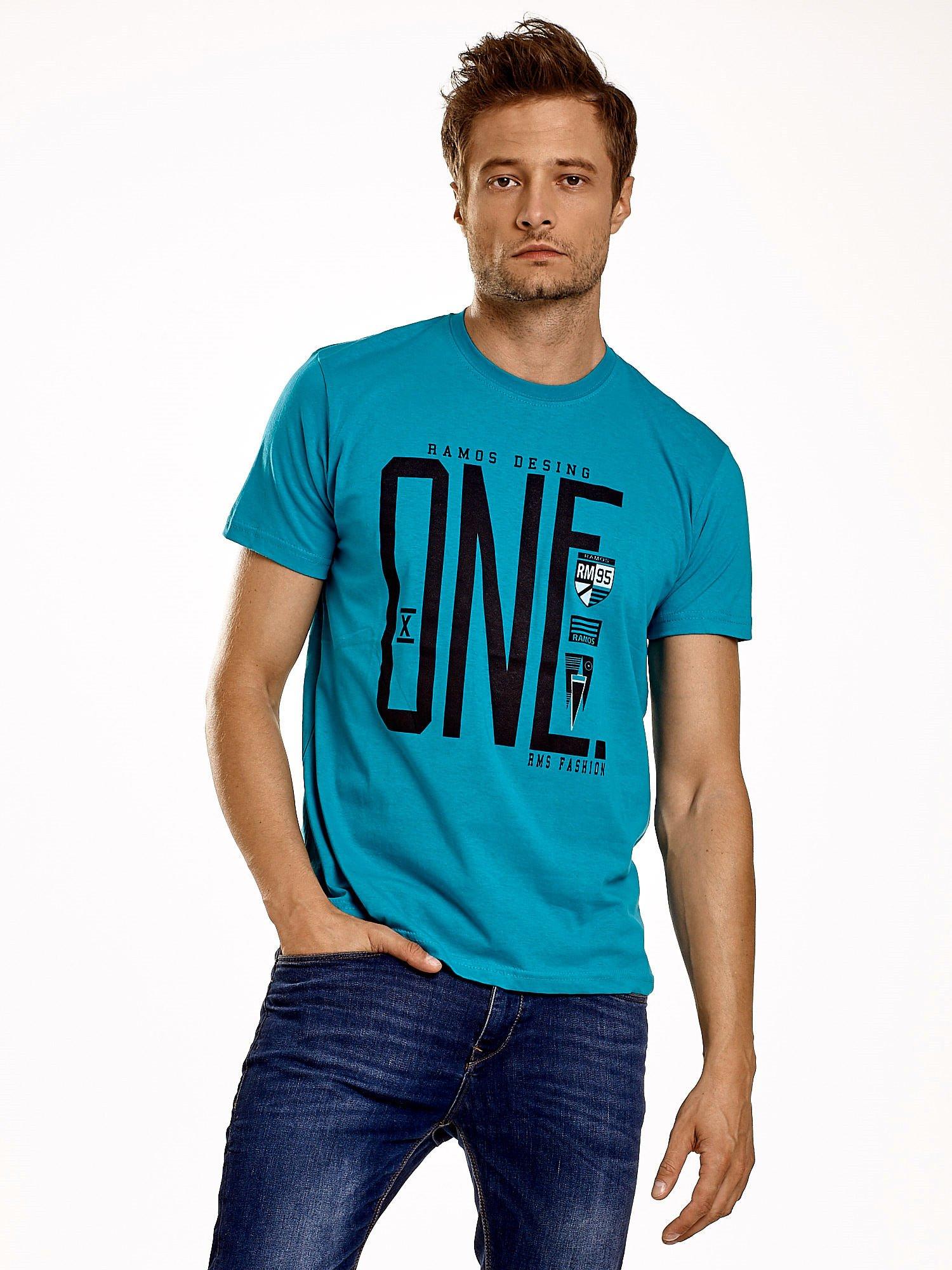 Zielony t-shirt męski z nadrukiem i napisem ONE                                  zdj.                                  2