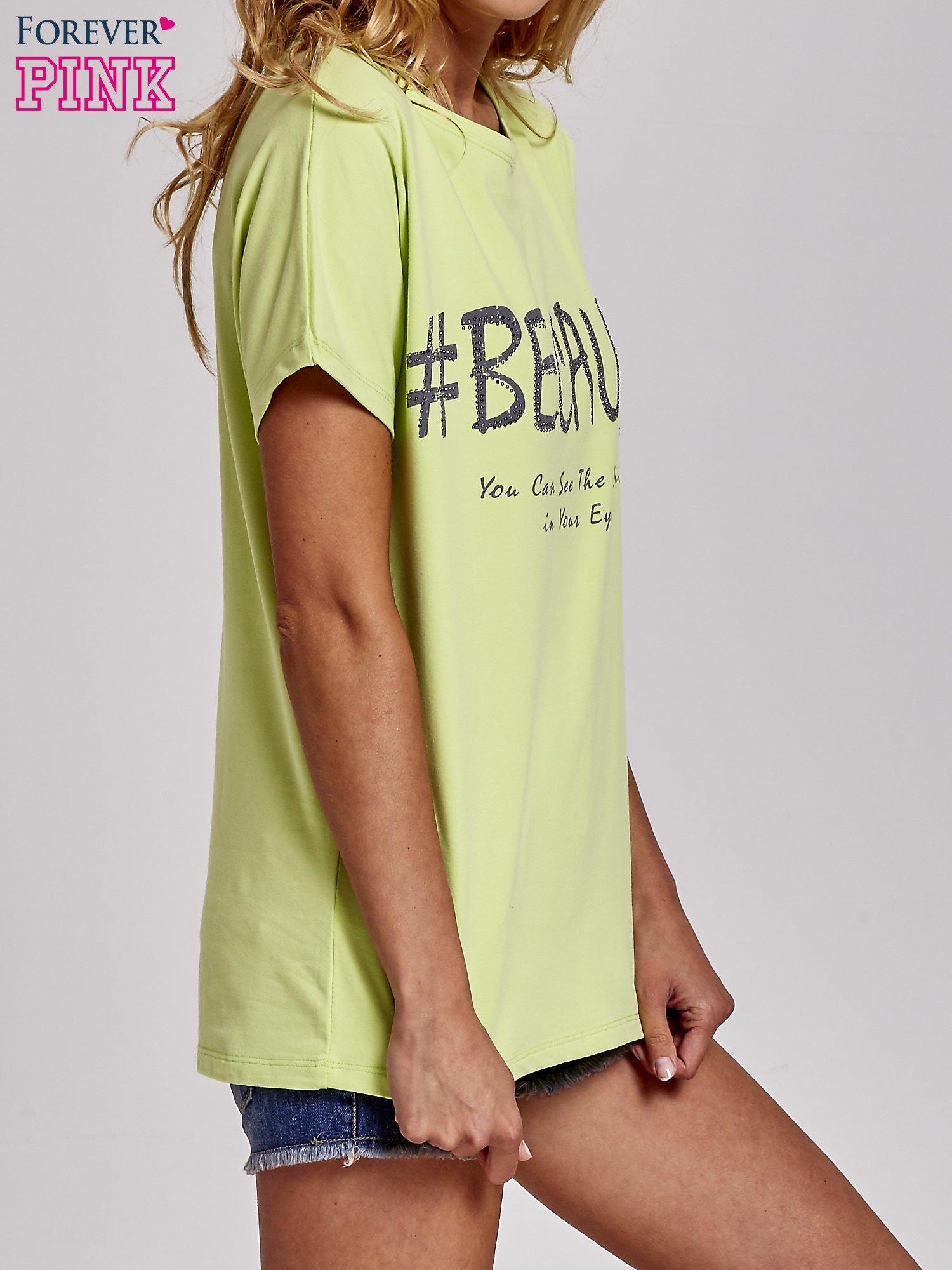 Zielony t-shirt z hashtagiem #BECAUSE                                  zdj.                                  3