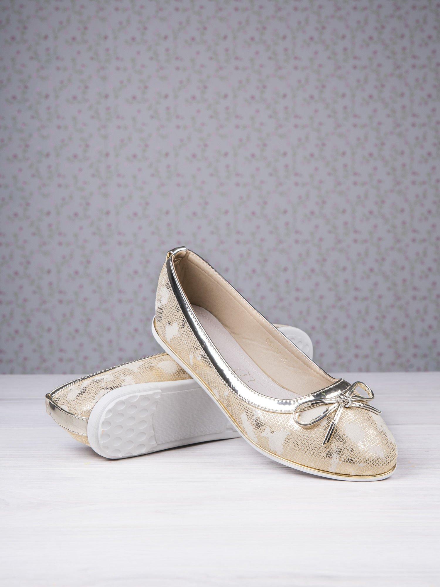 Złote marmurkowe baleriny gold leather Dream z kokardką                                  zdj.                                  4