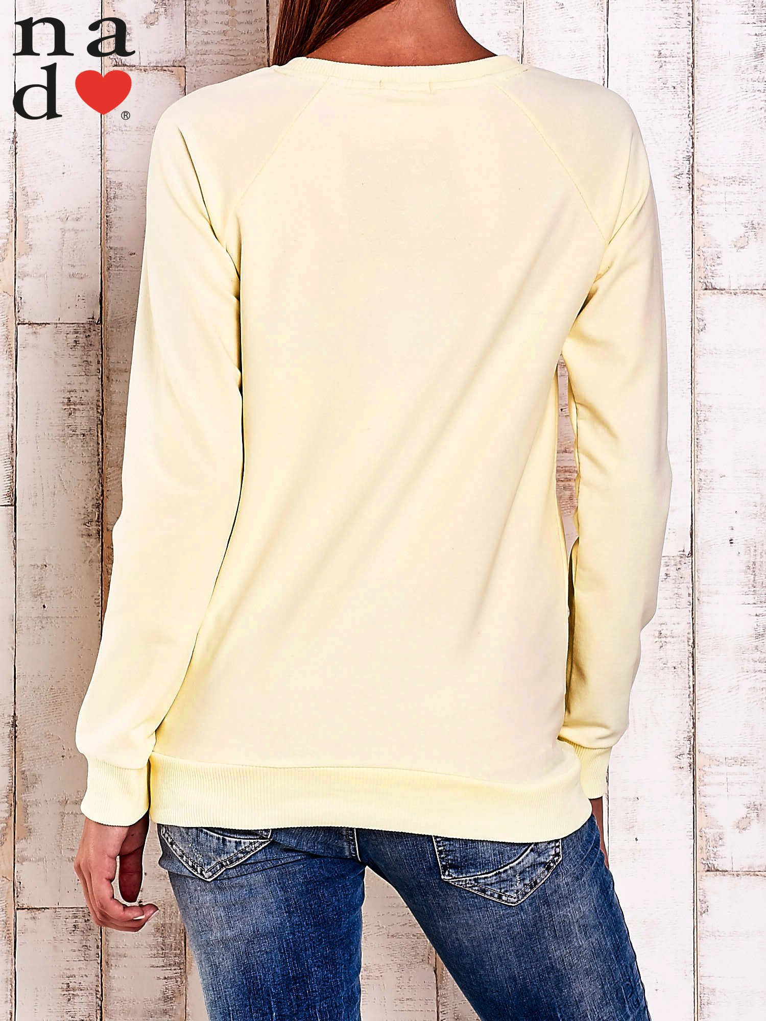 Żółta bluza z napisem LOVELY                                  zdj.                                  4