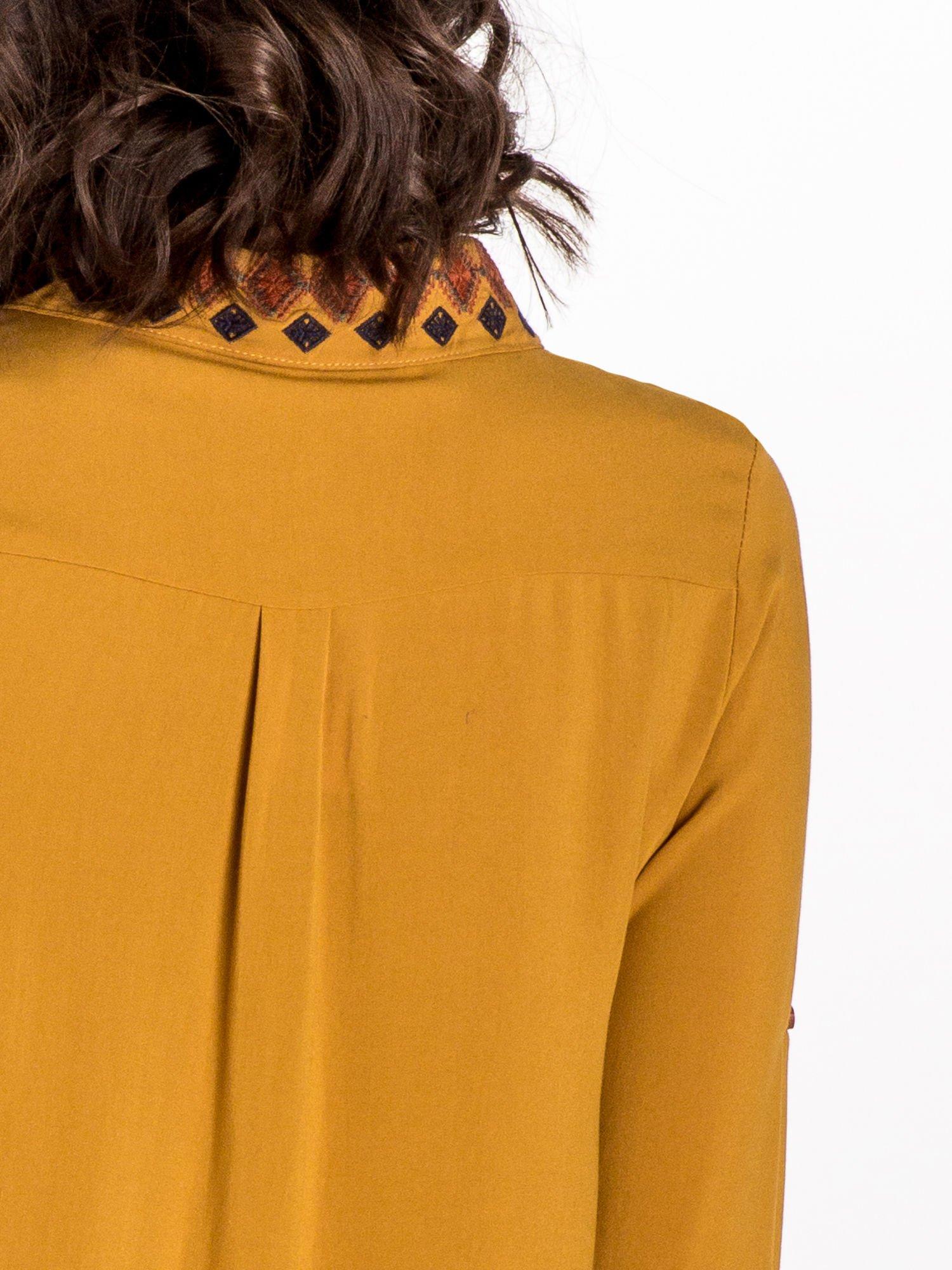 Zółta koszula z haftowanym kołnierzykiem                                  zdj.                                  6