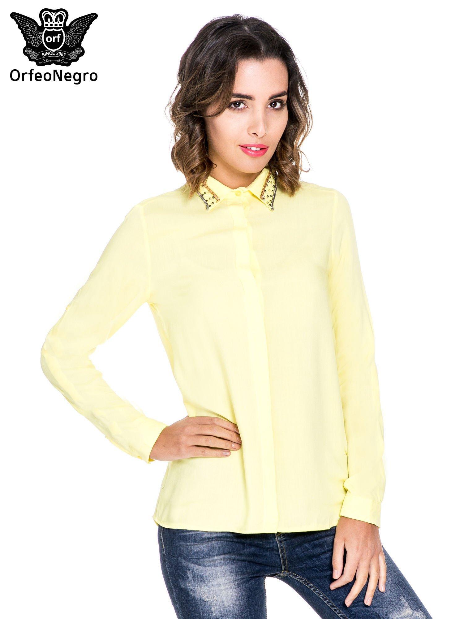 Żółta koszula z kołnierzykiem zdobionym koralikami                                  zdj.                                  1