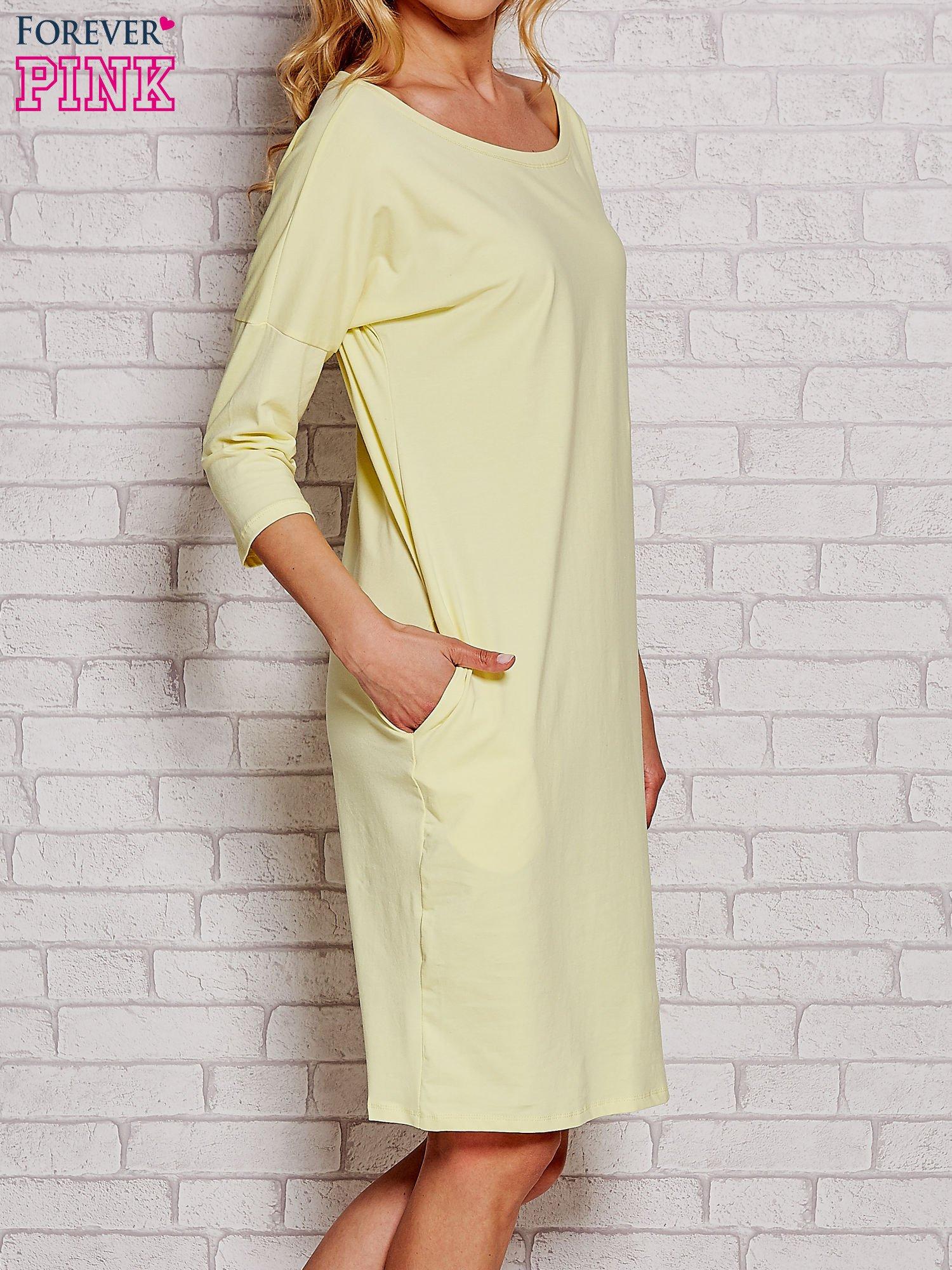 Żółta prosta sukienka dresowa                                  zdj.                                  3
