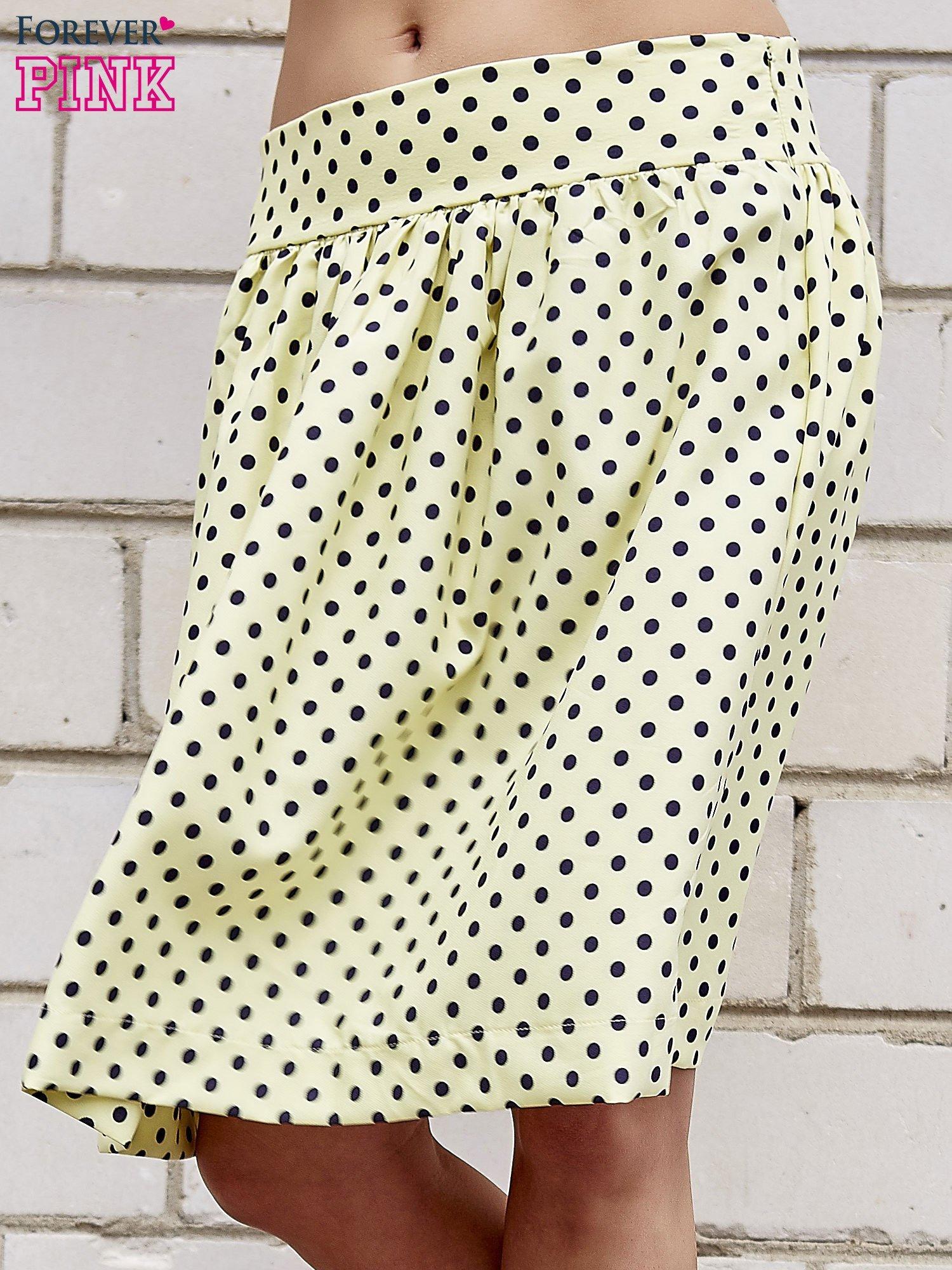 Żółta spódnica w grochy z plisami                                  zdj.                                  1
