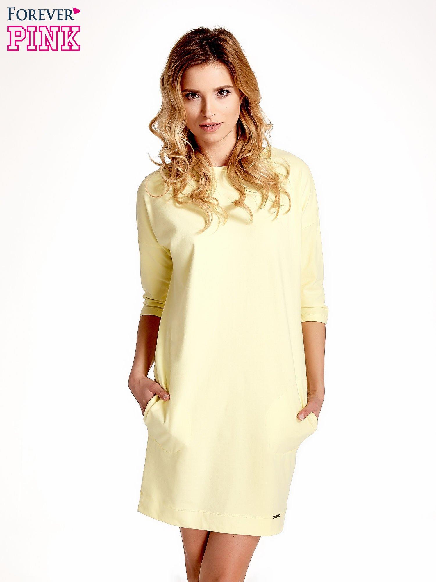 Żółta sukienka z rękawem za łokieć                                  zdj.                                  1