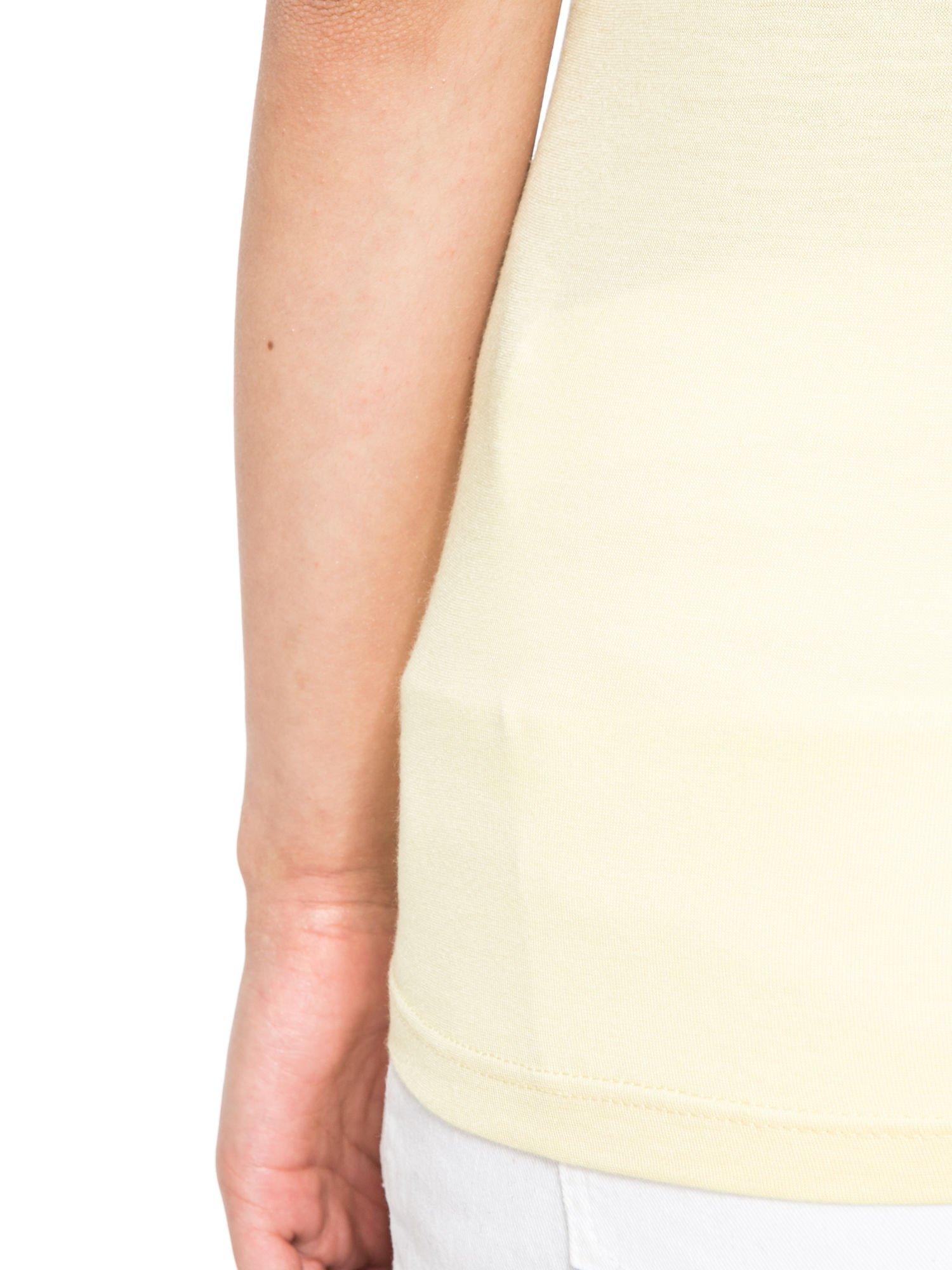 Żółty t-shirt z nadrukiem kota i myszy                                  zdj.                                  11