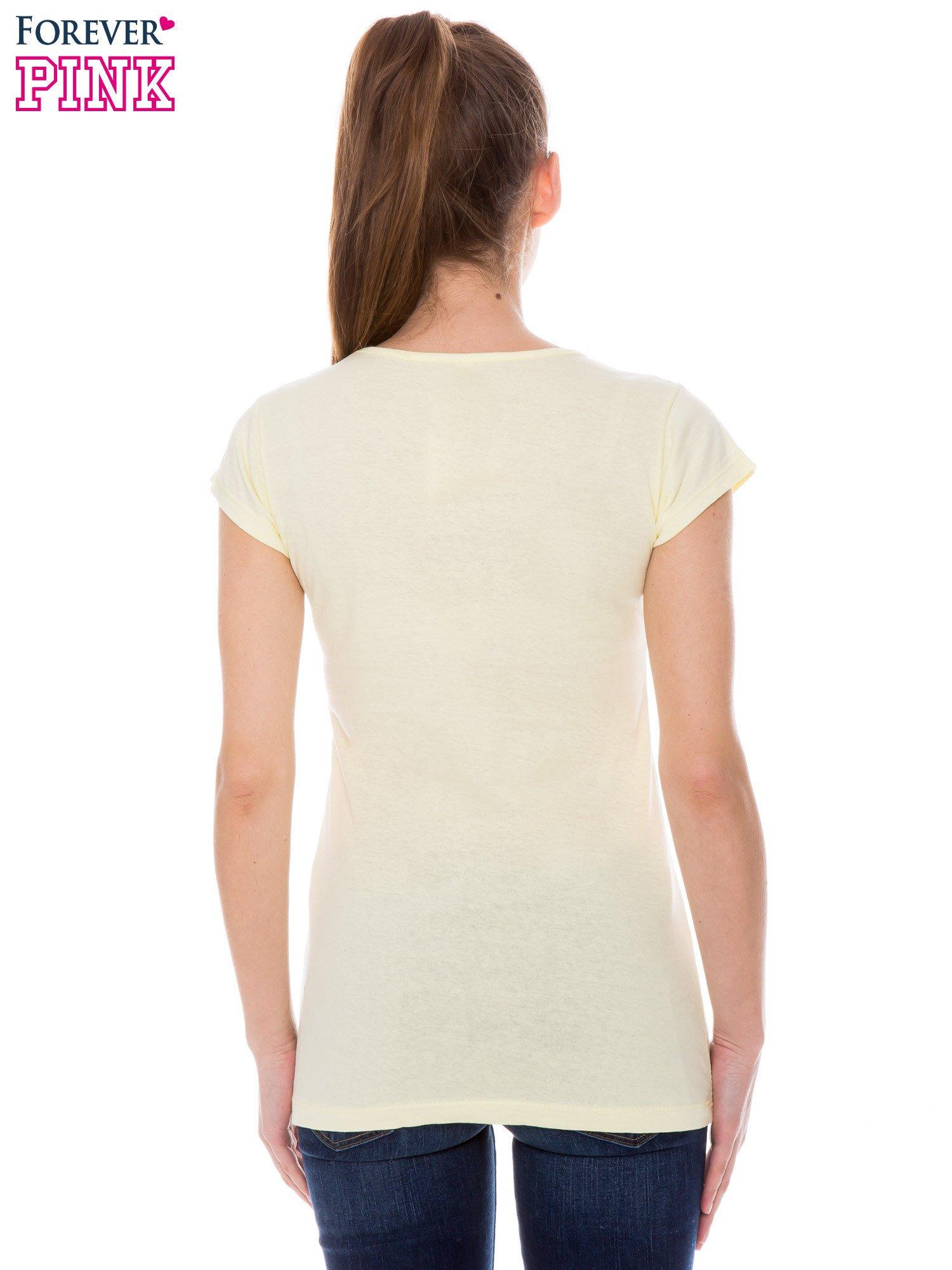 Żółty t-shirt z nadrukiem w amerykańskim stylu                                  zdj.                                  3