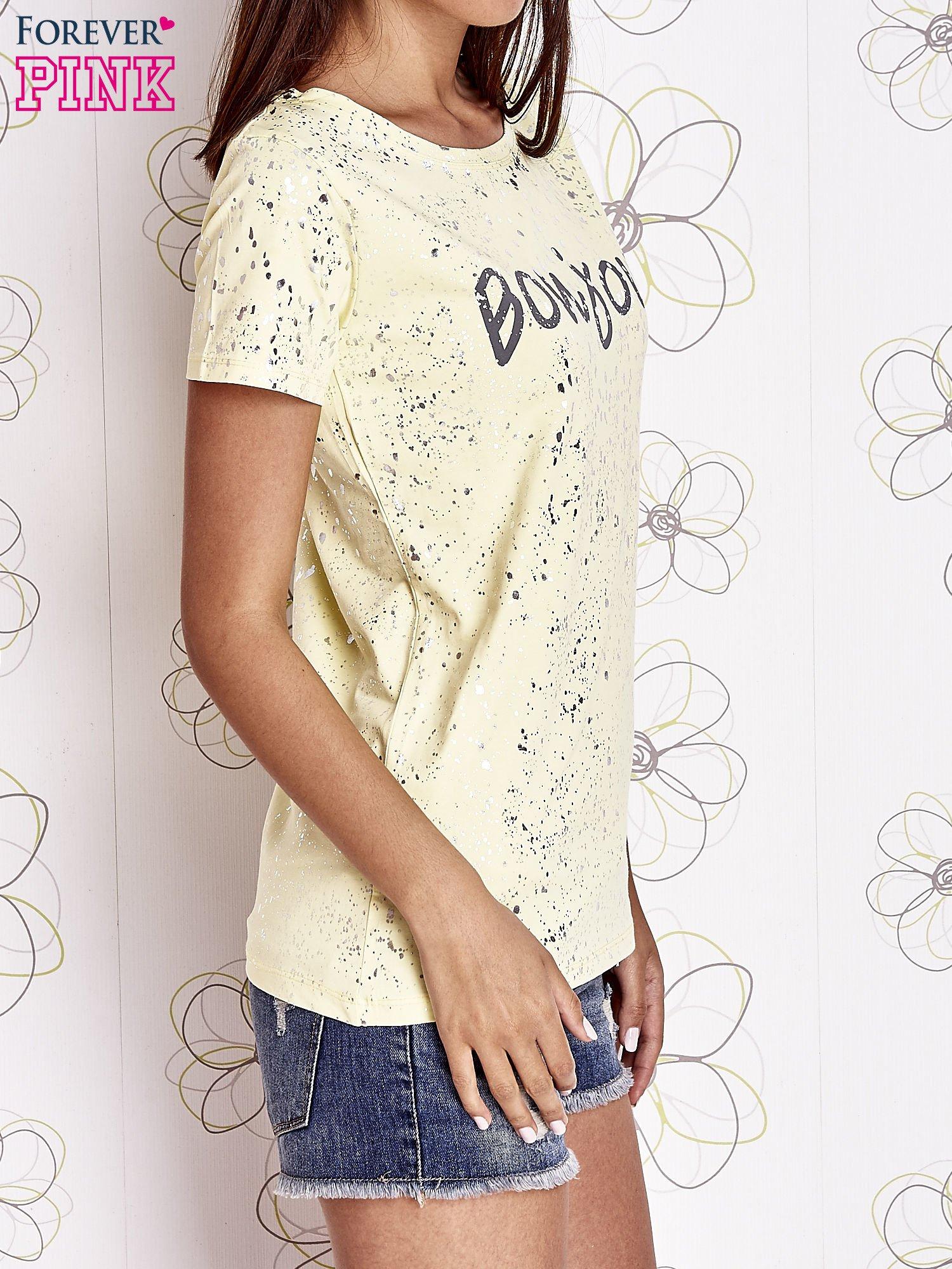 Żółty t-shirt z napisem BONJOUR                                  zdj.                                  3