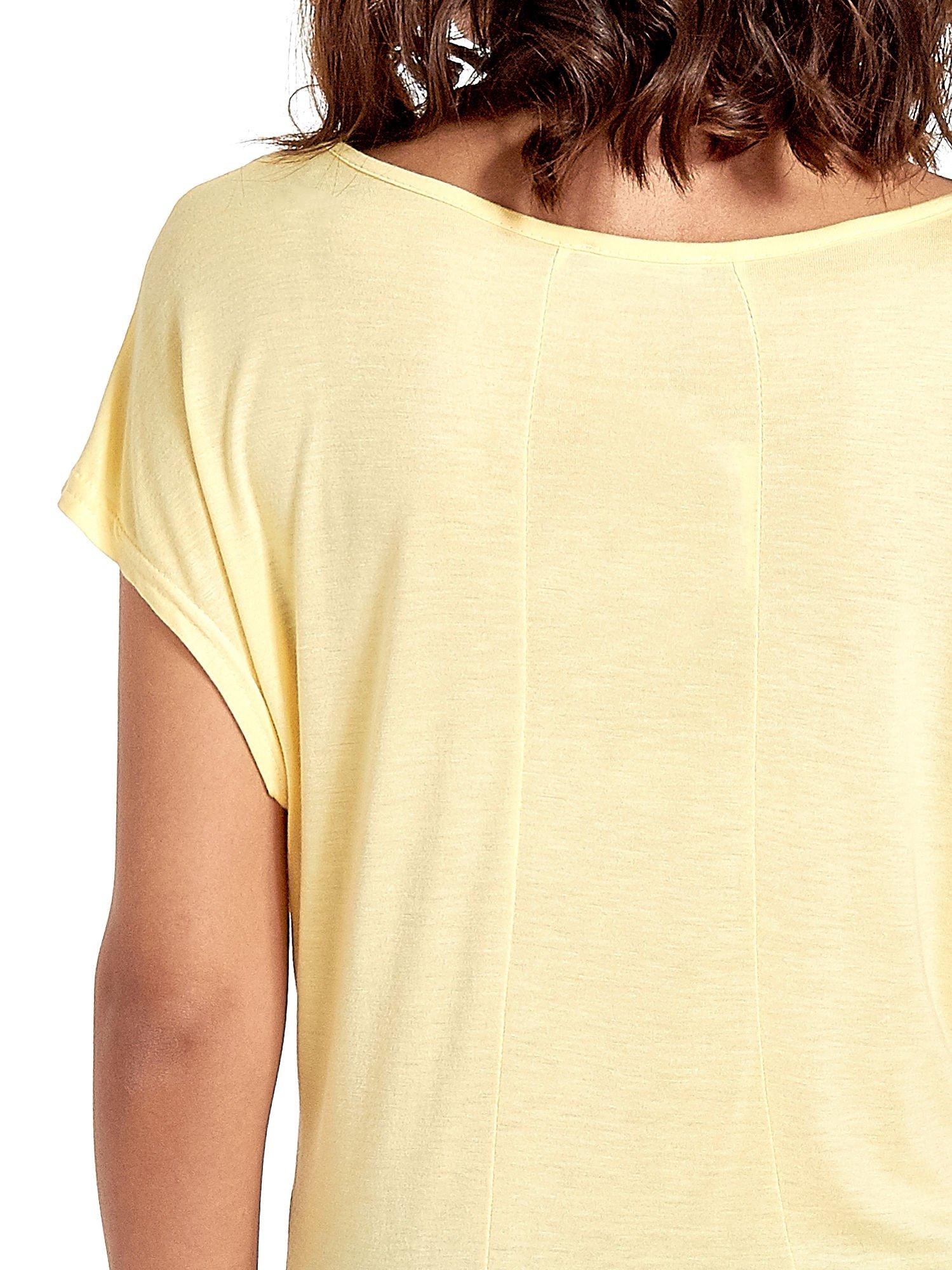Żółty t-shirt z napisem DO YOU BELIEVE IN LOVE?                                  zdj.                                  6