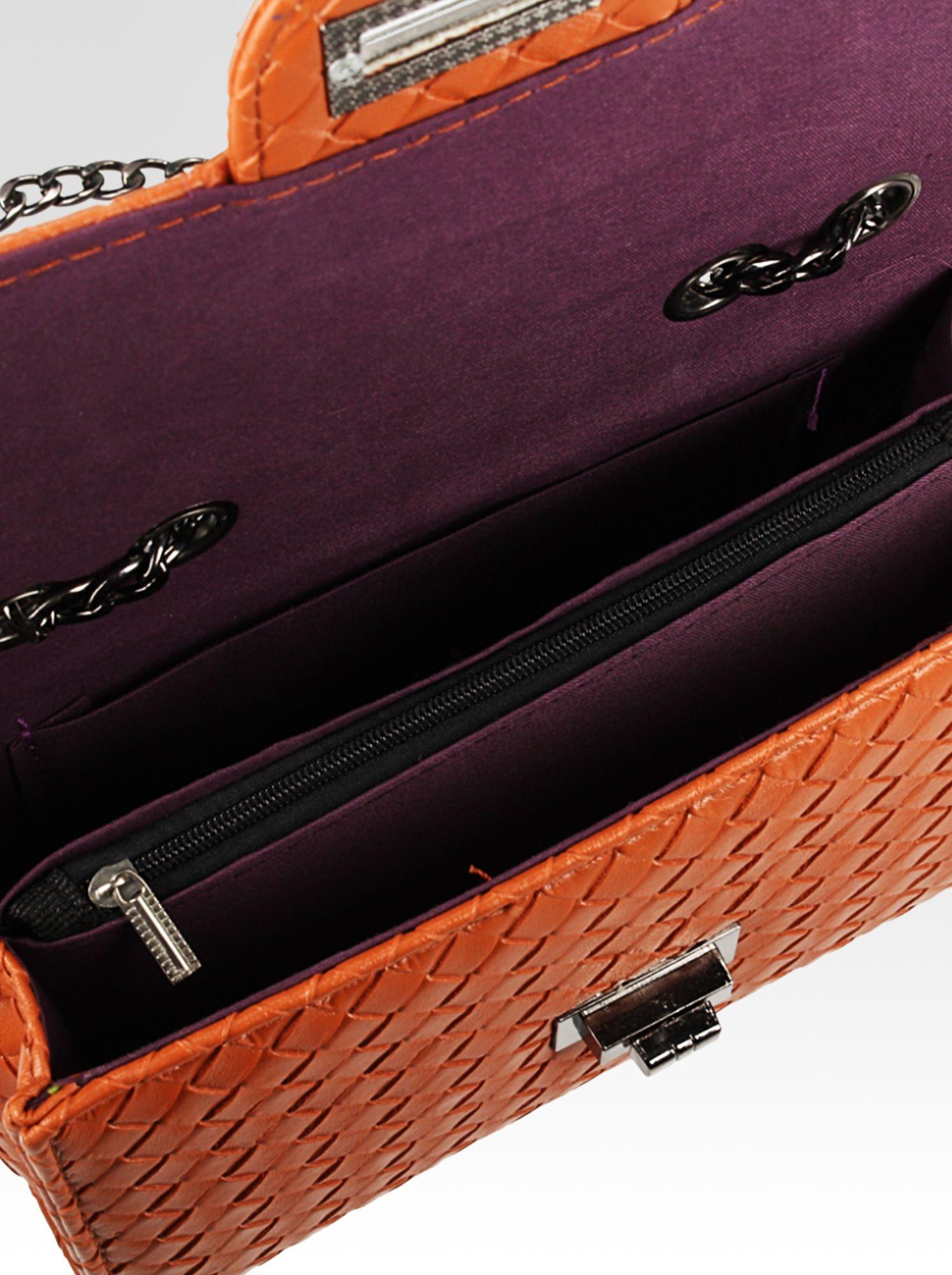 Żywobrązowa mała pleciona torebka na łańcuszku                                  zdj.                                  7