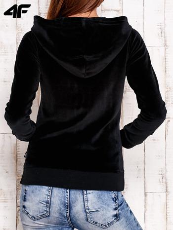 4F Czarna gładka bluza z kapturem                                  zdj.                                  3
