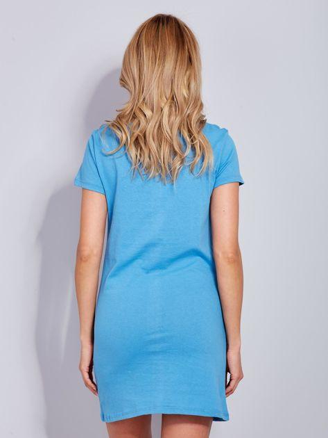 Bawełniana niebieska koszula nocna z nadrukiem                              zdj.                              3