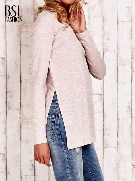 Beżowa bluzka z rozporkami z boku                                  zdj.                                  3