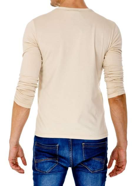 Beżowa gładka koszulka męska longsleeve                                  zdj.                                  5