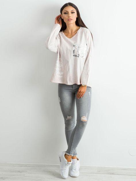 Beżowa luźna bluzka damska                              zdj.                              4