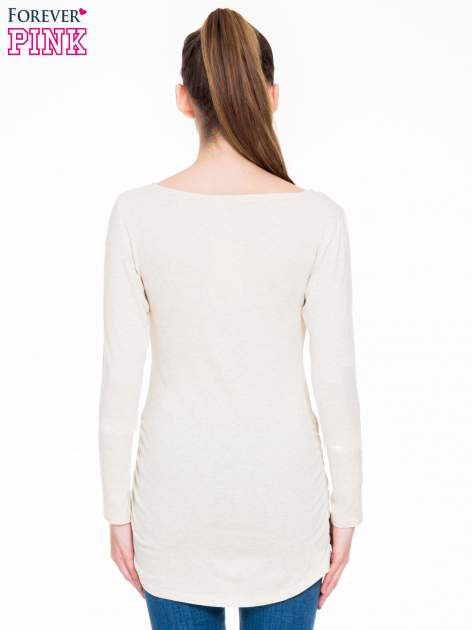 Beżowa melanżowa bluzka tunika z marszczonym dołem                                  zdj.                                  4