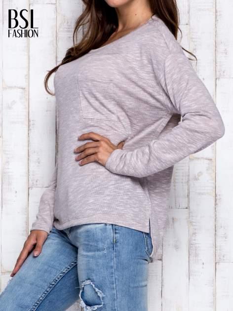 Beżowa melanżowa bluzka z kieszonką z przodu                                  zdj.                                  3
